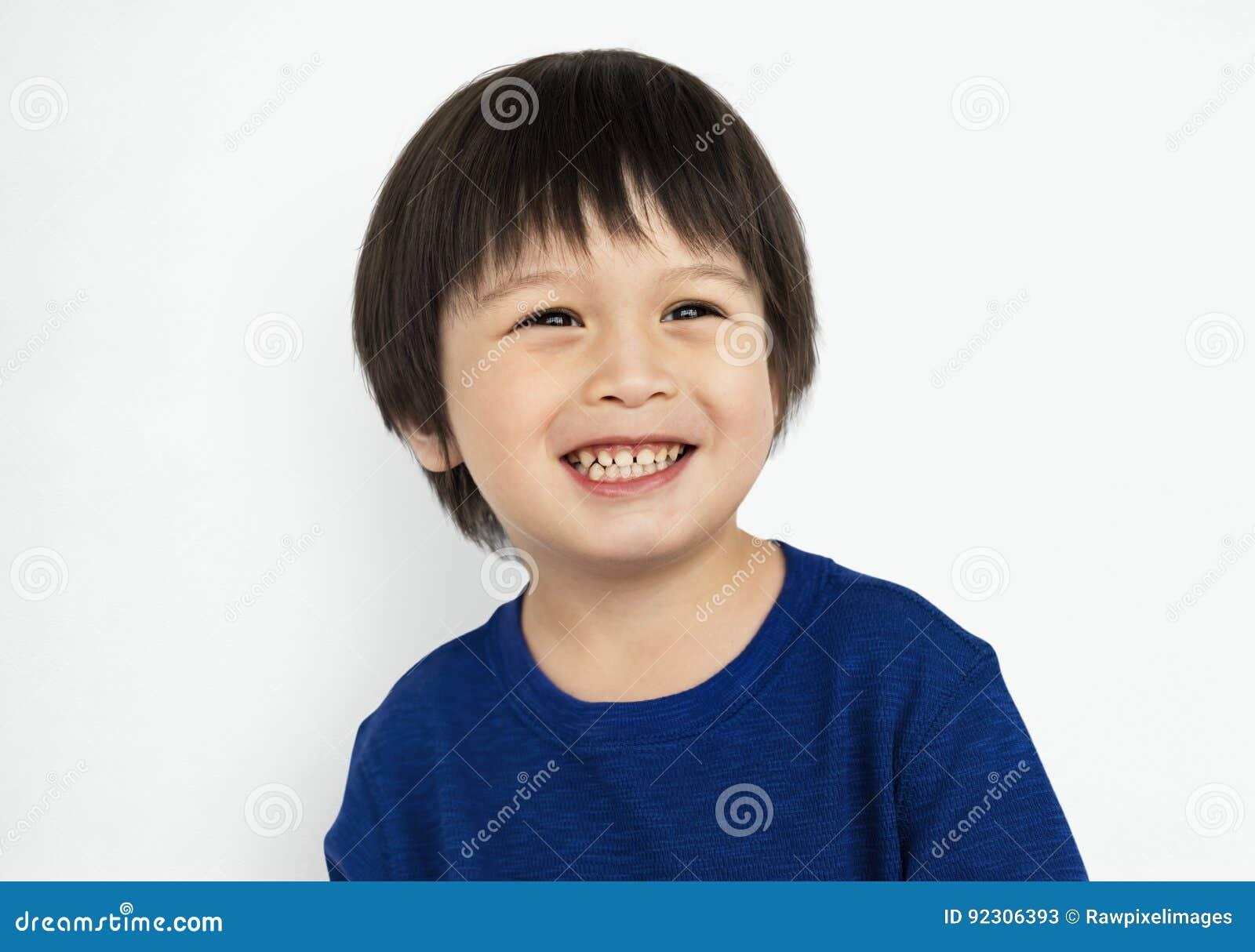 Kleinkind-Jungen-Lächeln-glückliches Konzept
