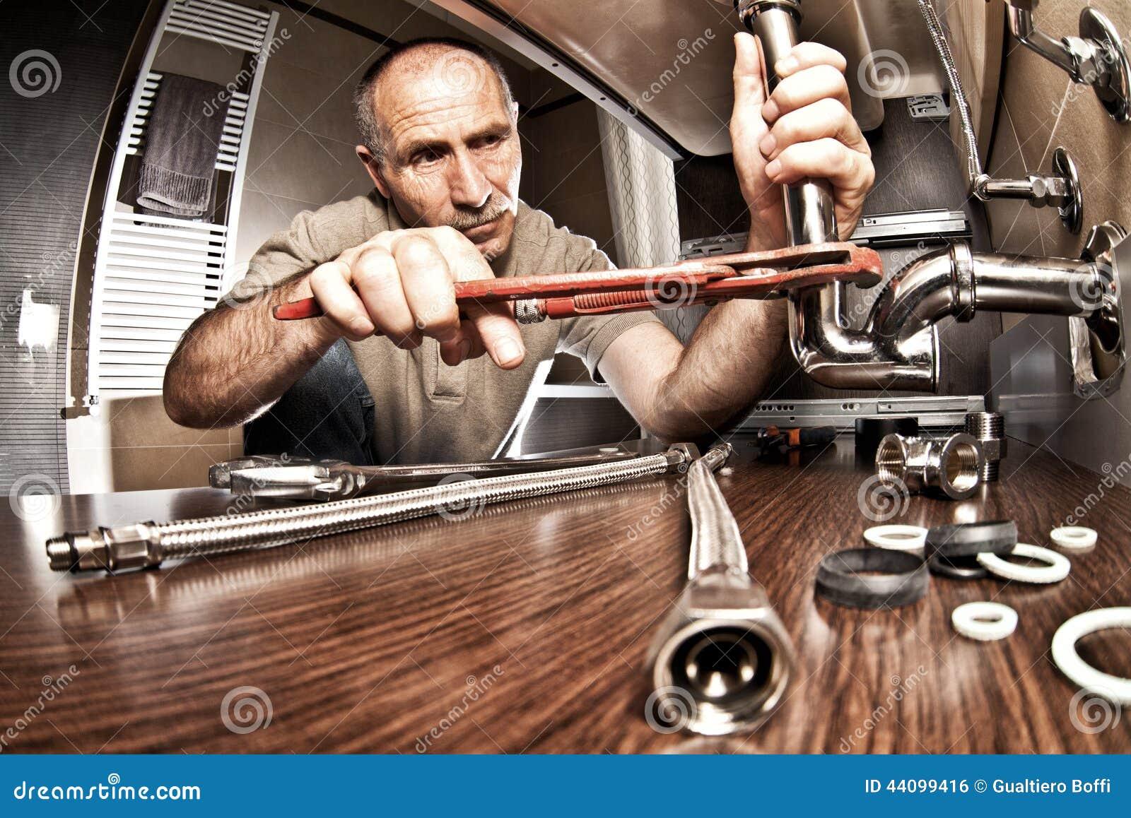 Klempner bei der Arbeit