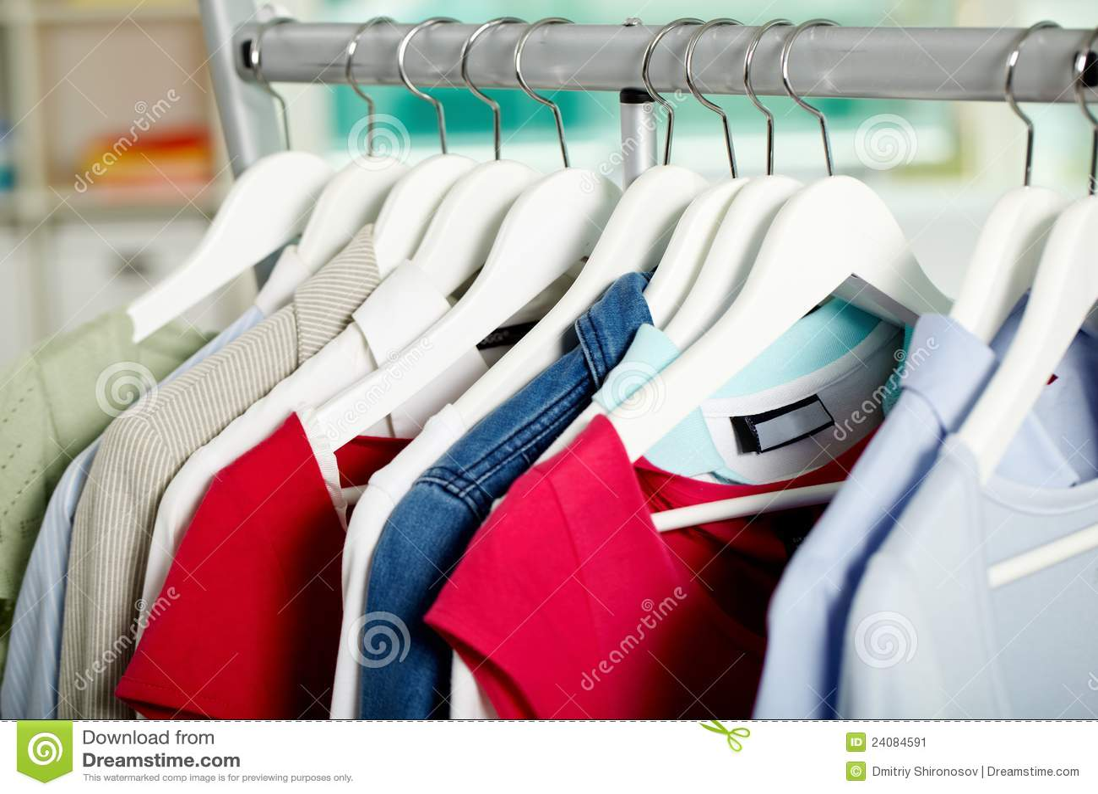 Kleren op hangers