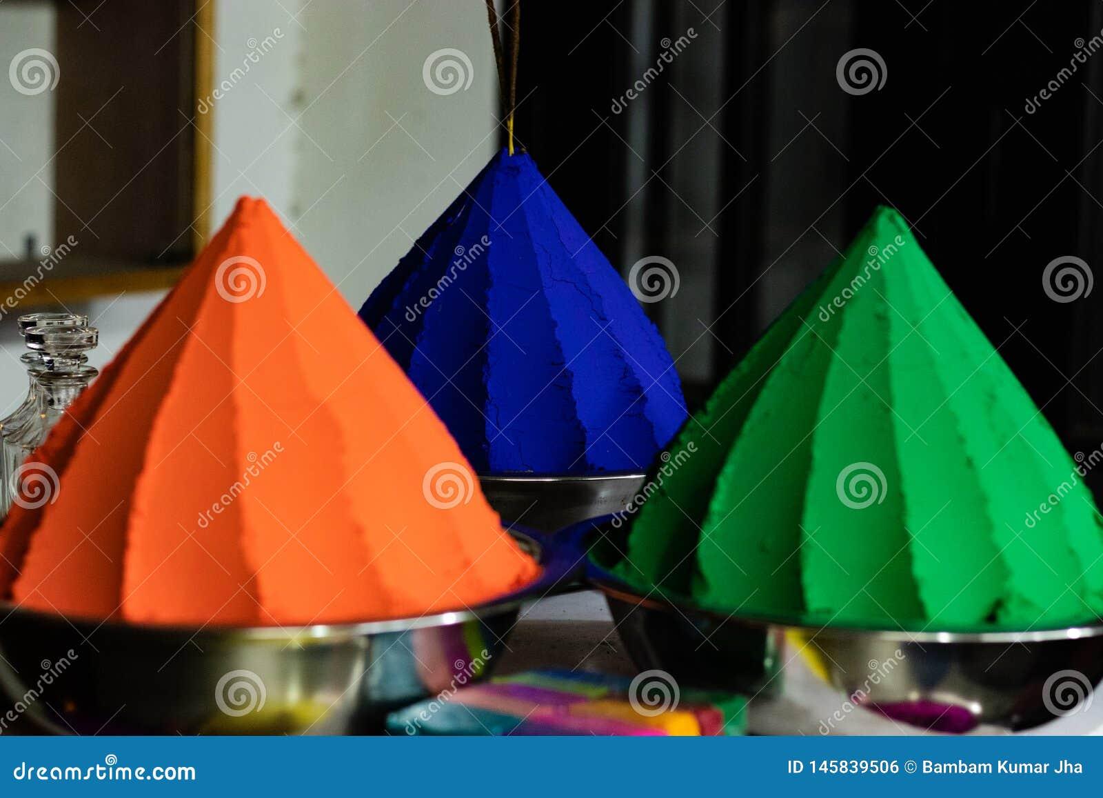 Kleuren oranje groen en blauw