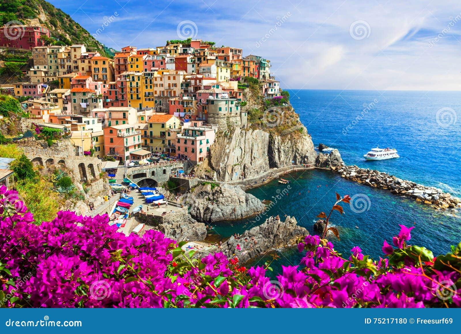 Kleuren van de reeks van Italië - Manarola-dorp, Cinque terre