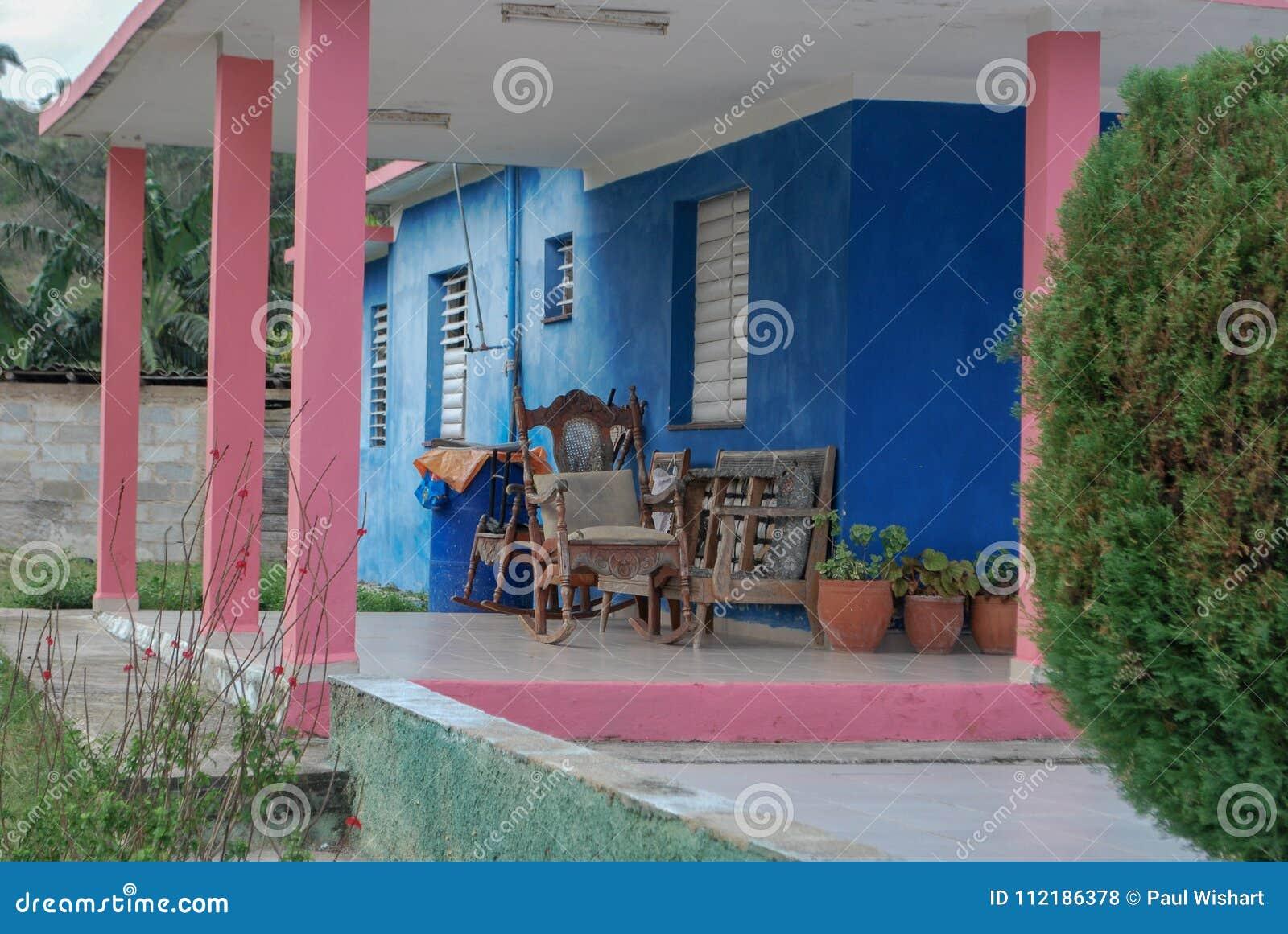 Kleurrijk Openluchtterras in Cuba