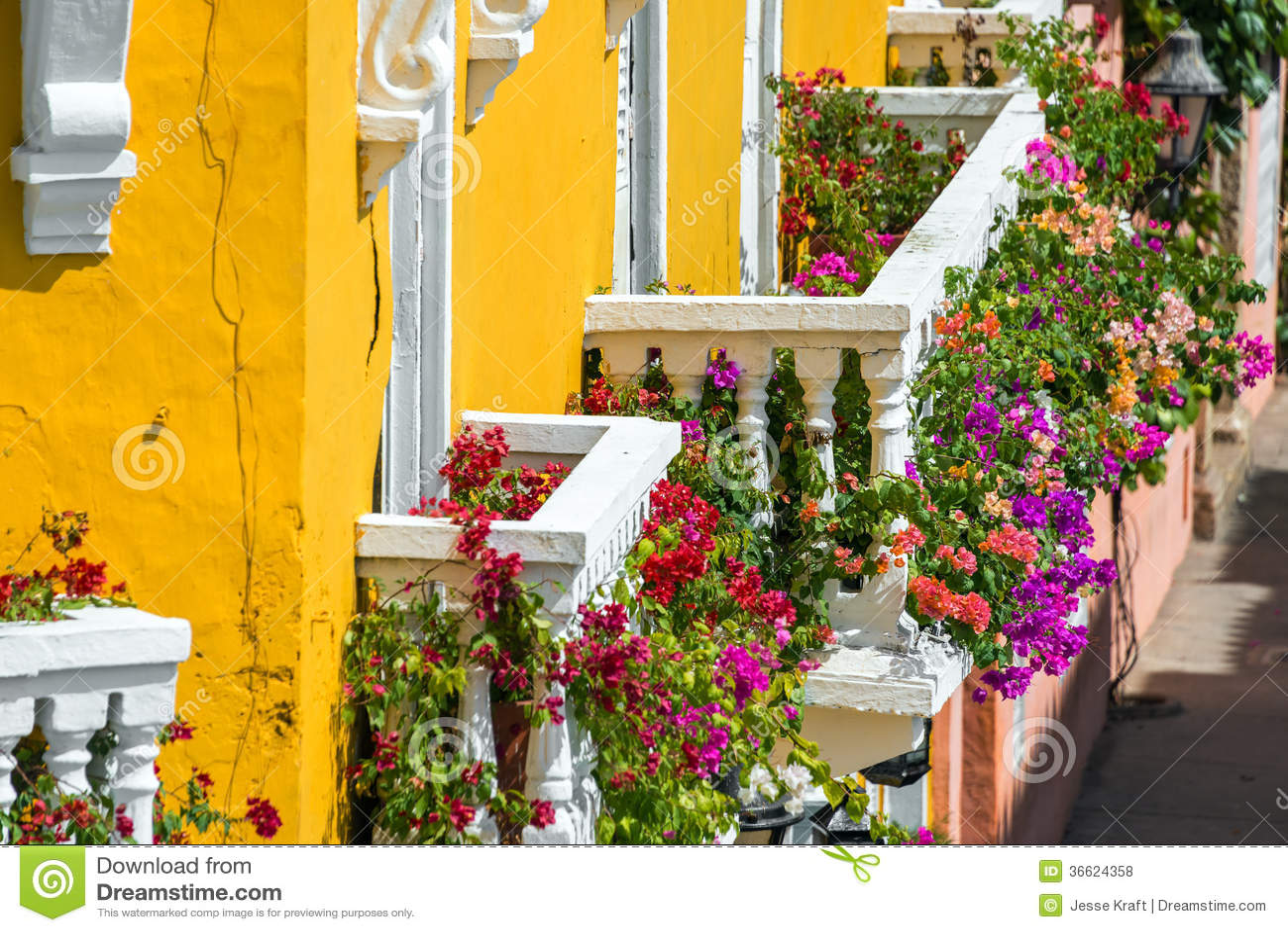 Kleurrijke Balkons