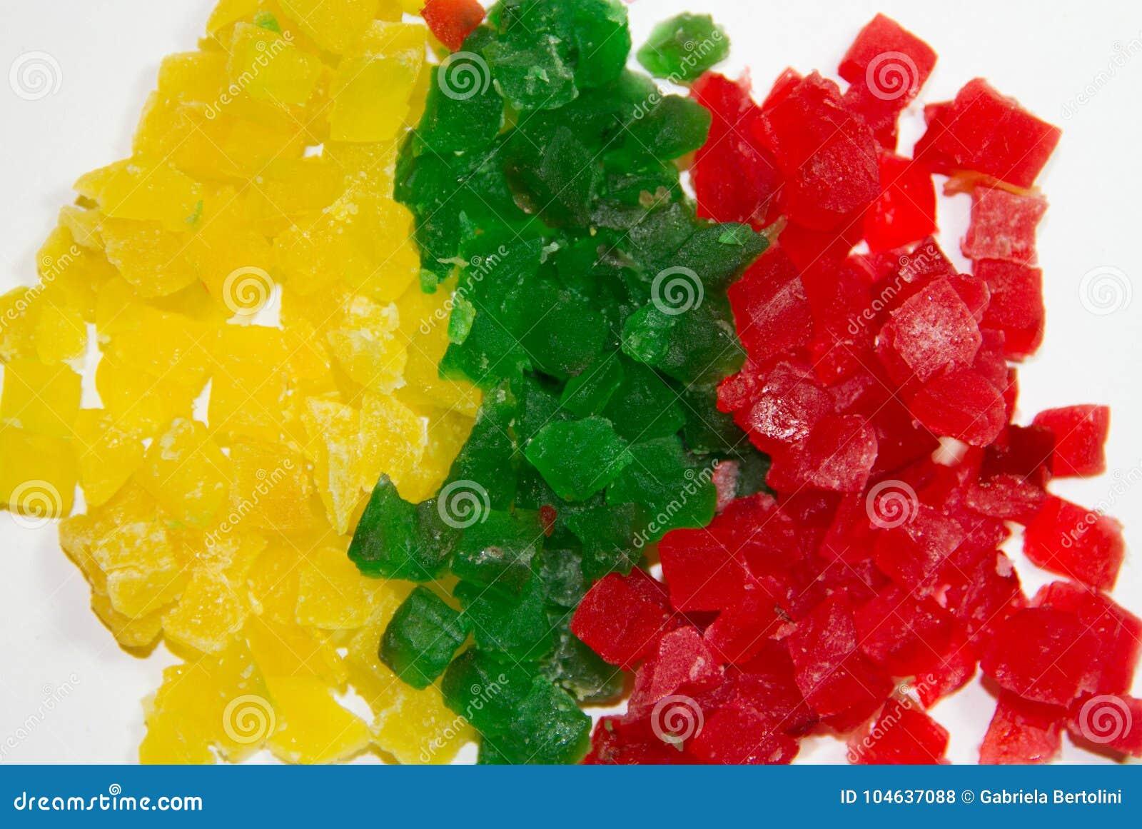 Download Kleurrijke Besnoeiing Bevroren Vruchten Op Witte Achtergrond Stock Foto - Afbeelding bestaande uit fruit, gelatine: 104637088