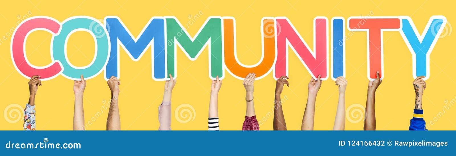 Kleurrijke brieven die de woordgemeenschap vormen
