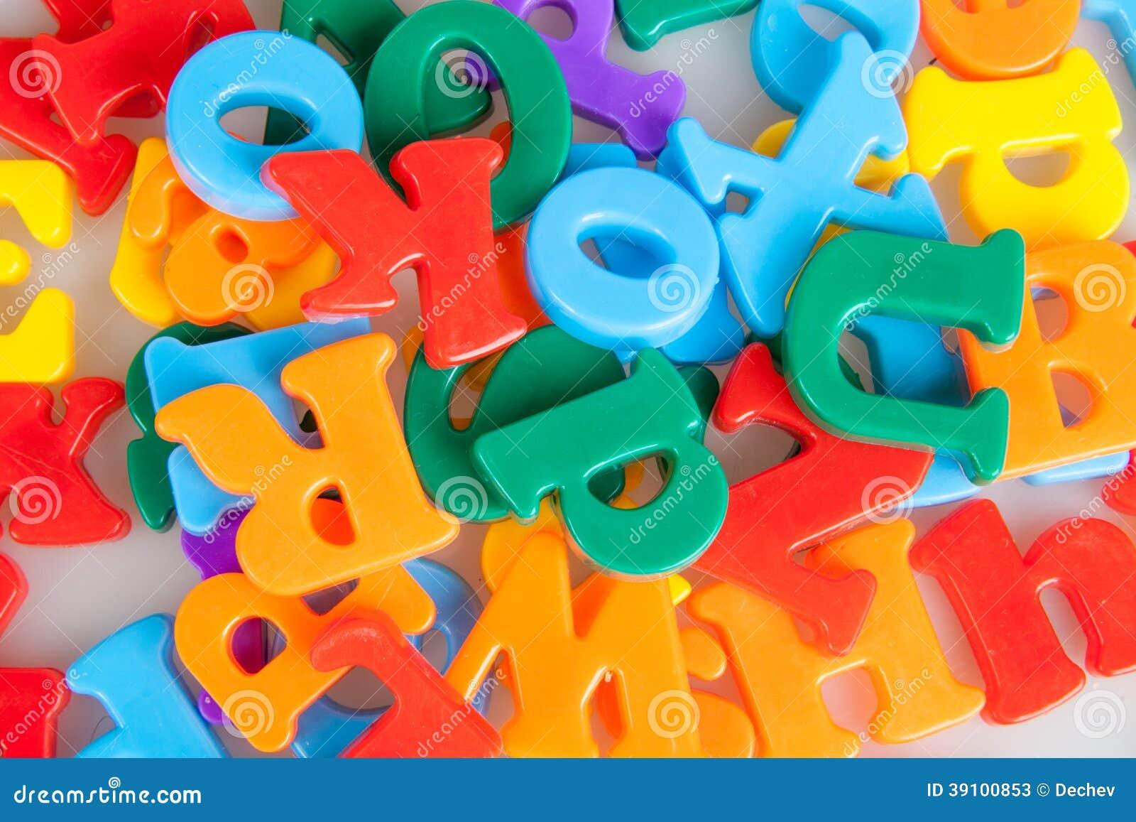 Kleurrijke brievenachtergrond.