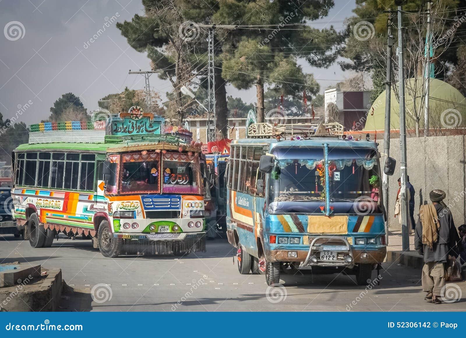 Kleurrijke bussen van Quetta