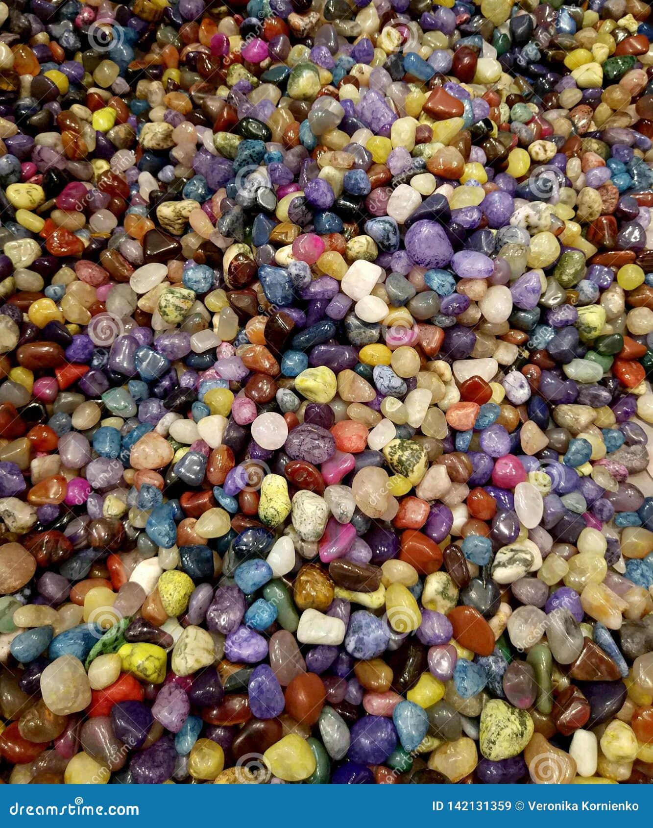 Kleurrijke halfedel ronde stenenachtergrond