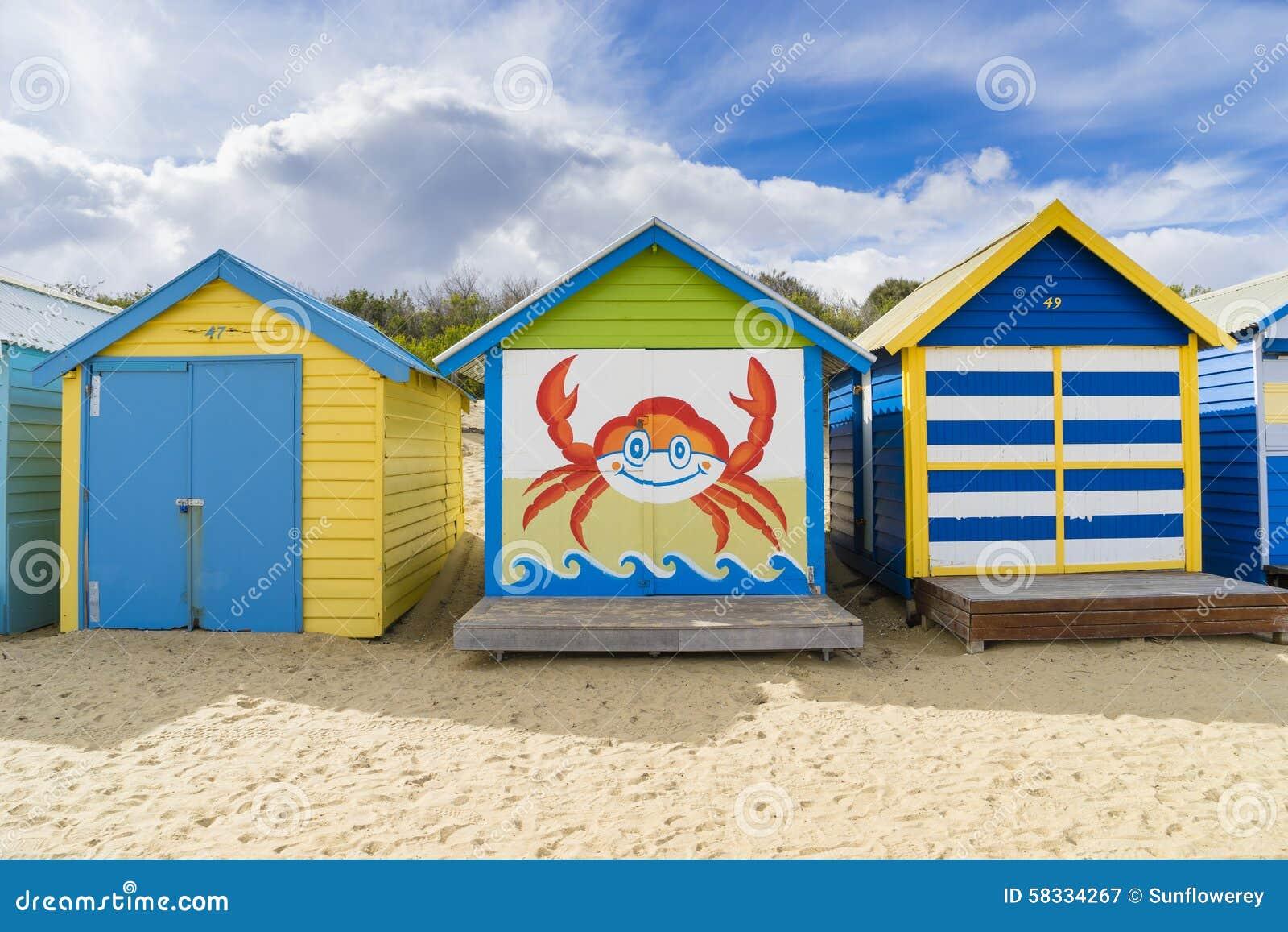 Kleurrijke het baden huizen bij dendy straatstrand brighton in