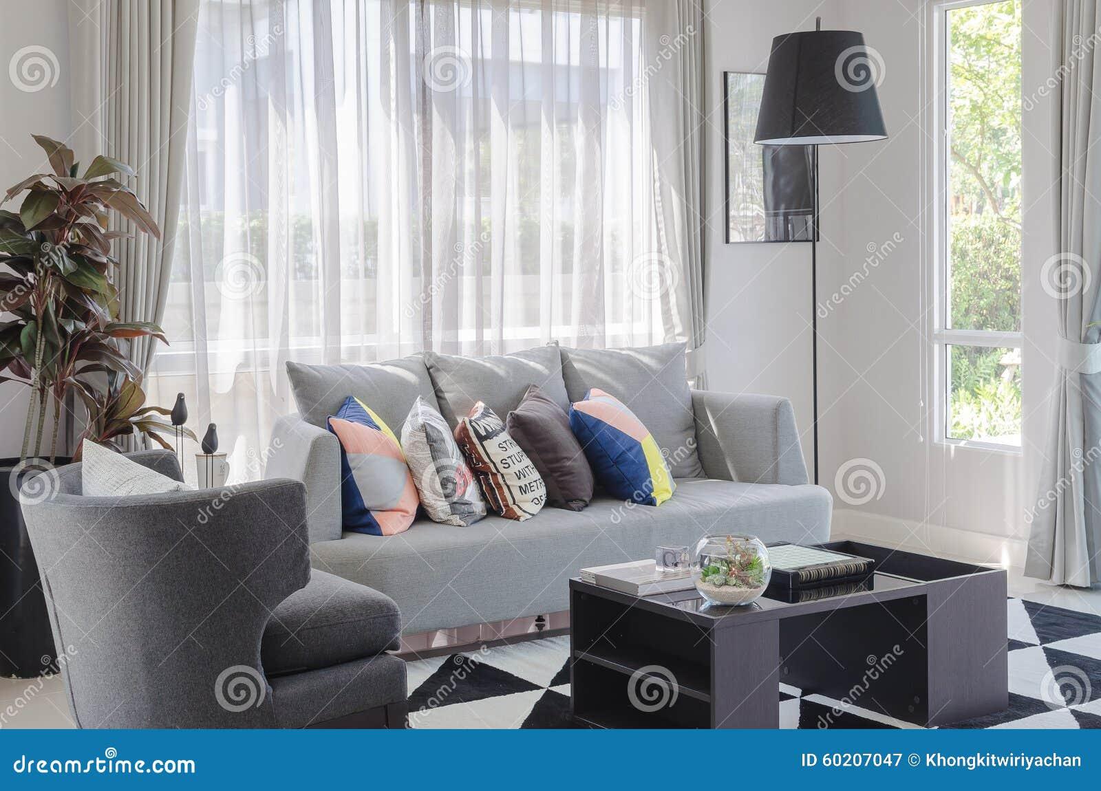 Woonkamer Grijze Bank : Licht grijze banken awesome woonkamer banken hoekbank u banken