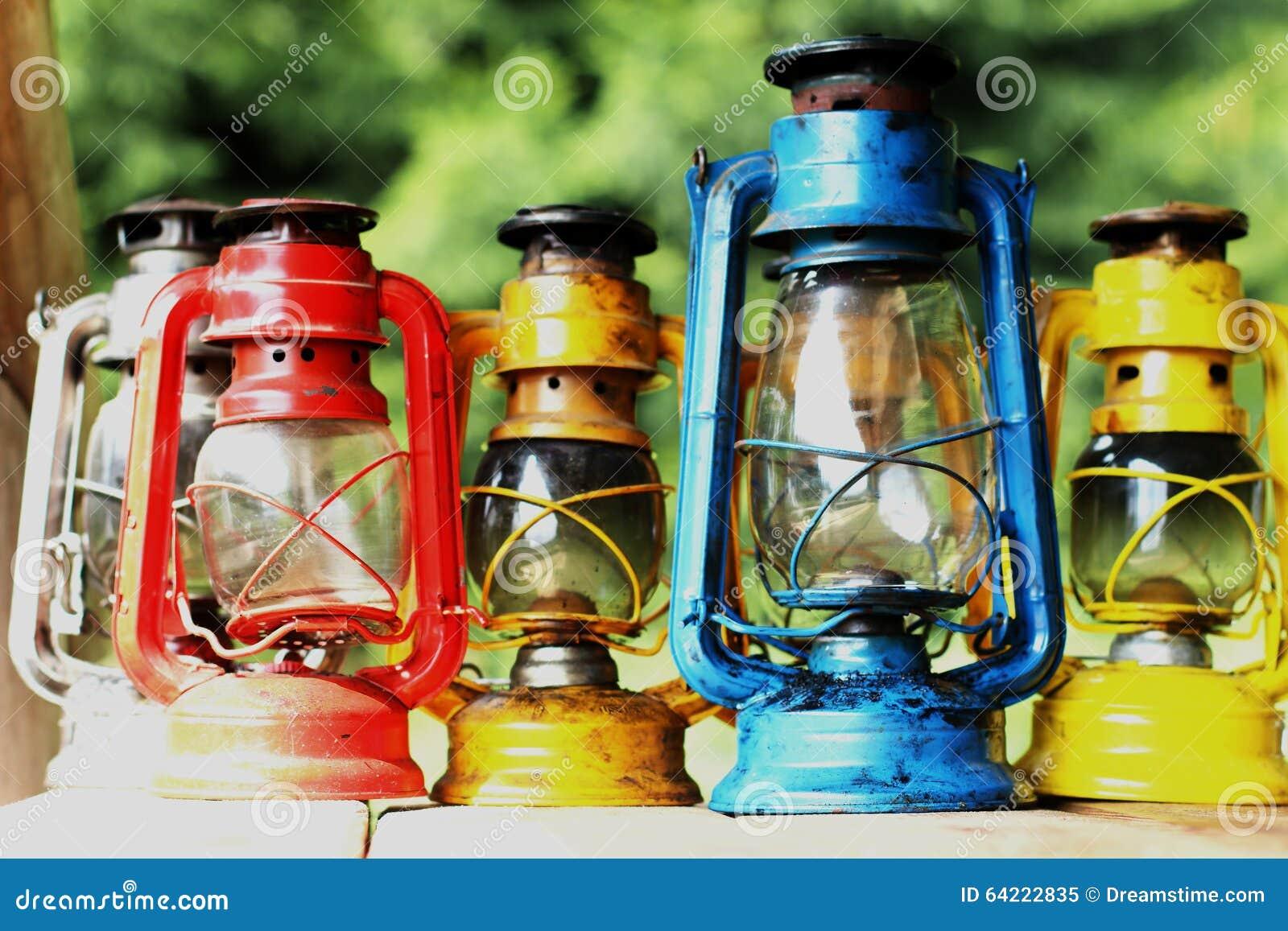 Kleurrijke kerosinelampen