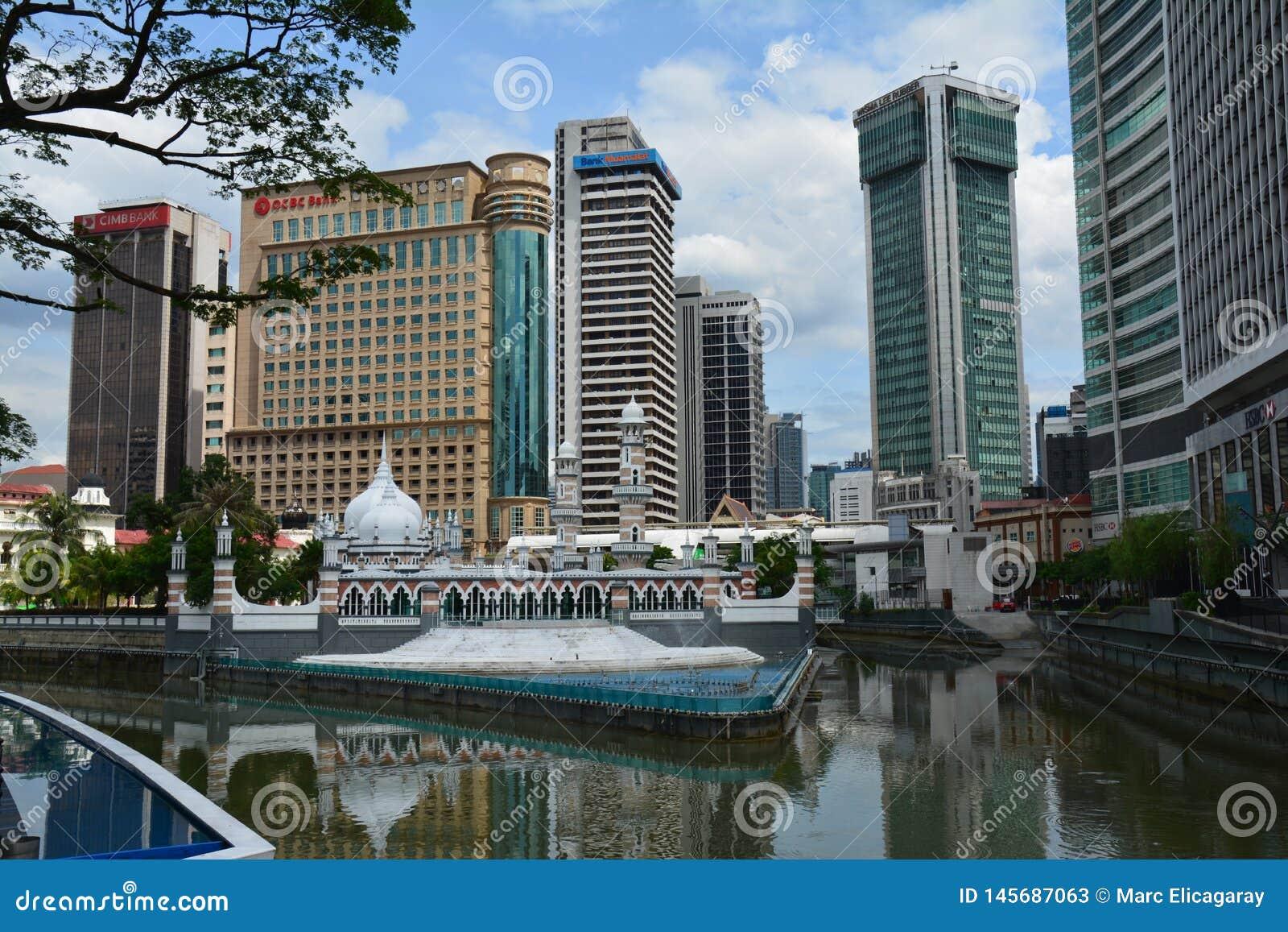 Kleurrijke Moskee in Kuala Lampur Malaysia