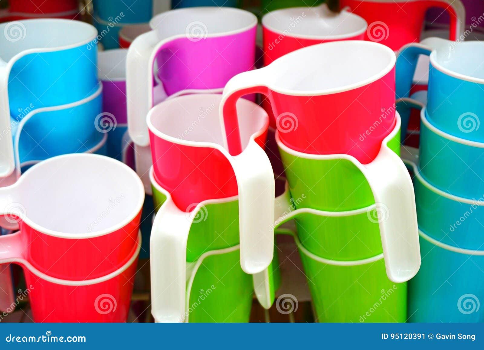 Kleurrijke Plastic Koppen