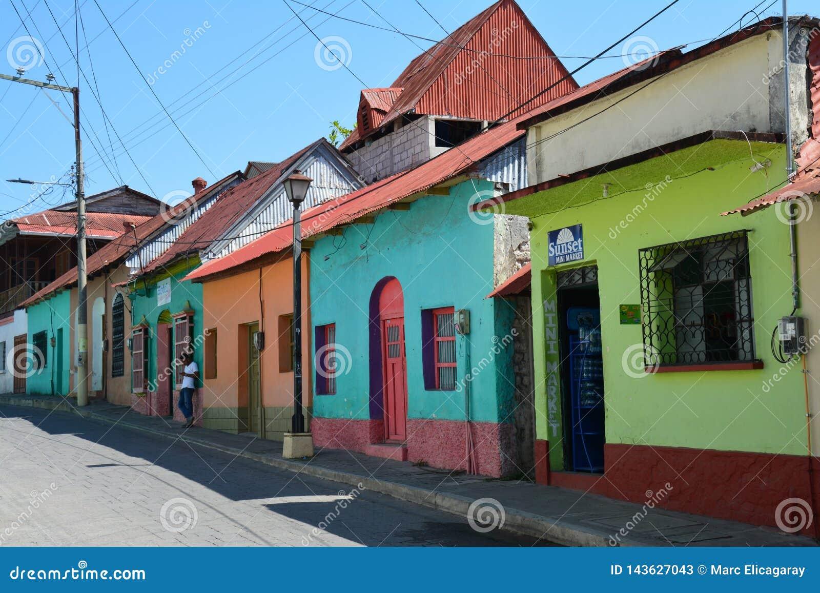 Kleurrijke schilderachtige stad van Flores Guatemala
