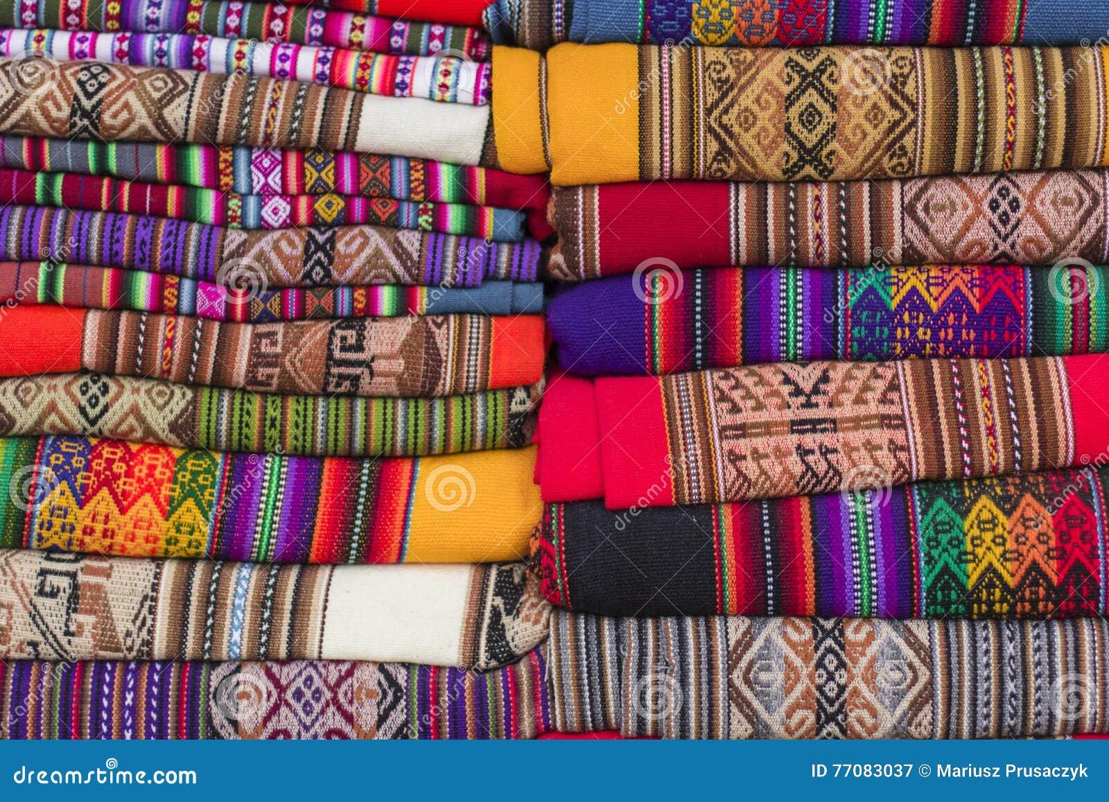 Kleurrijke Stof bij markt in Peru, Zuid-Amerika