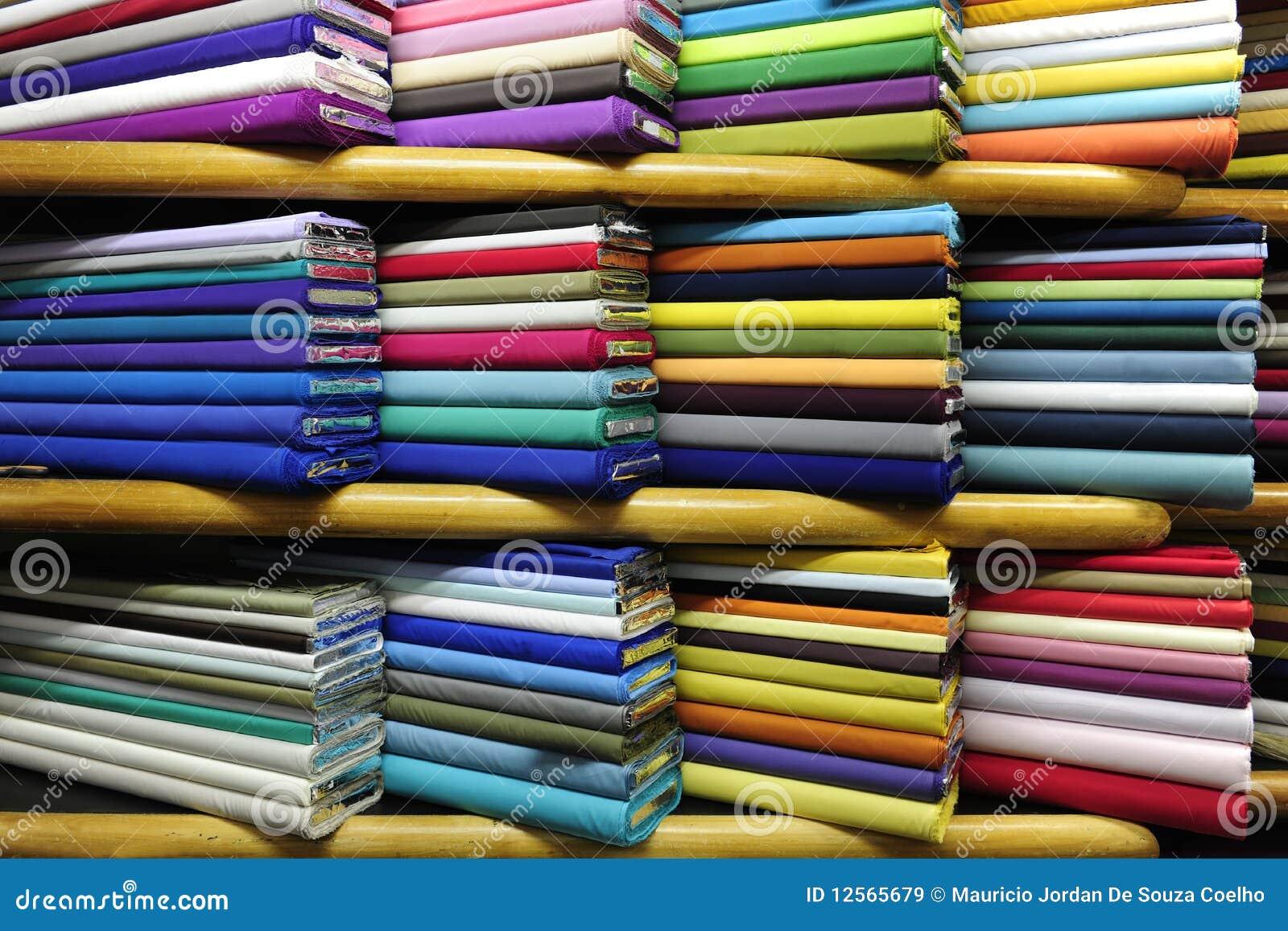 Kleurrijke stoffen op verkoop stock afbeelding for Telas para visillos de salon