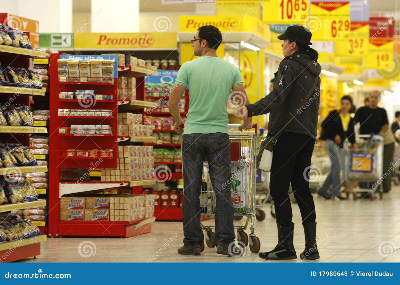 Klienci target2053_1_ supermarket