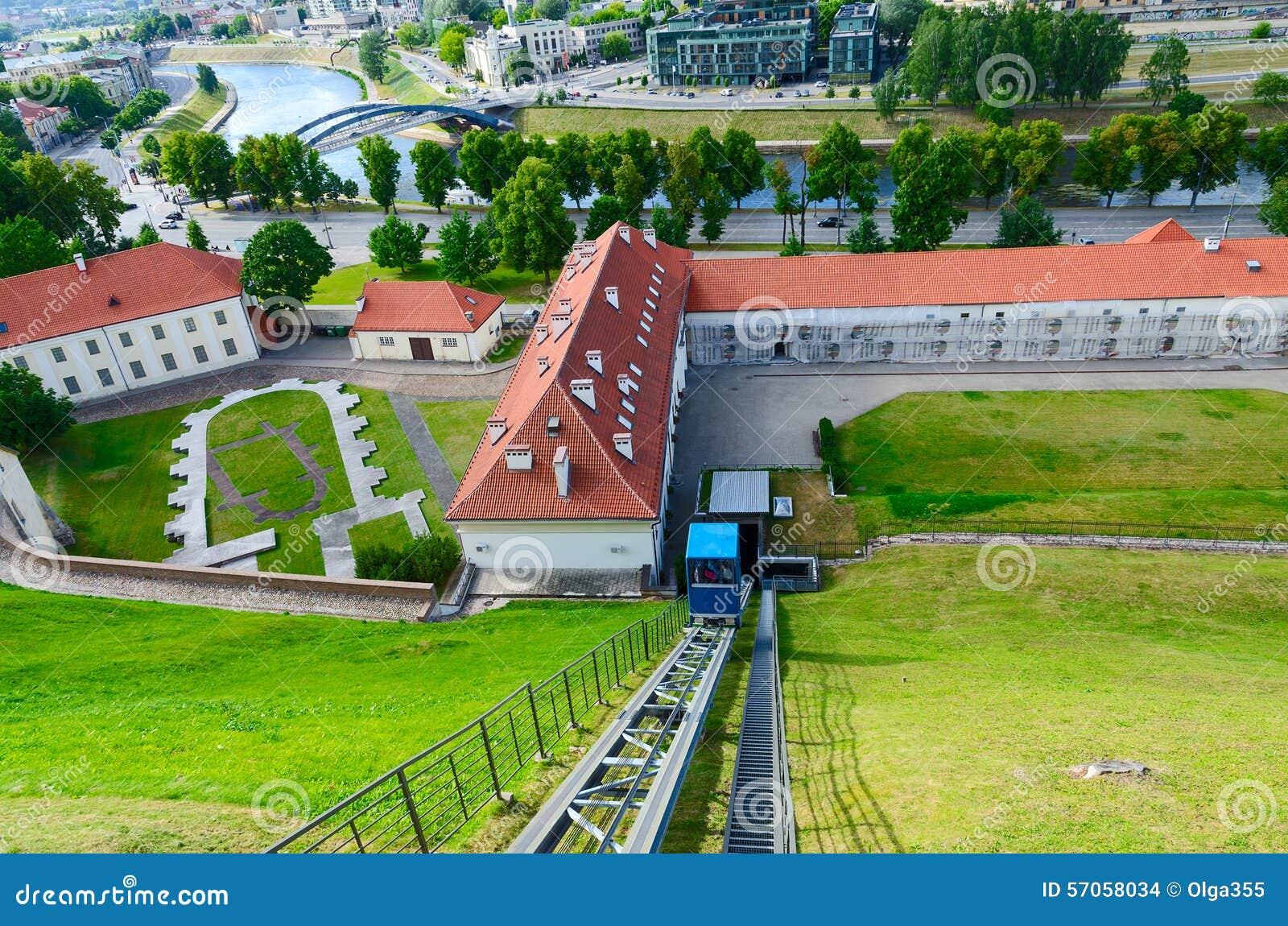 Klim van kabelbaan aan Kasteelberg (Onderstel Gediminas), Vilnius