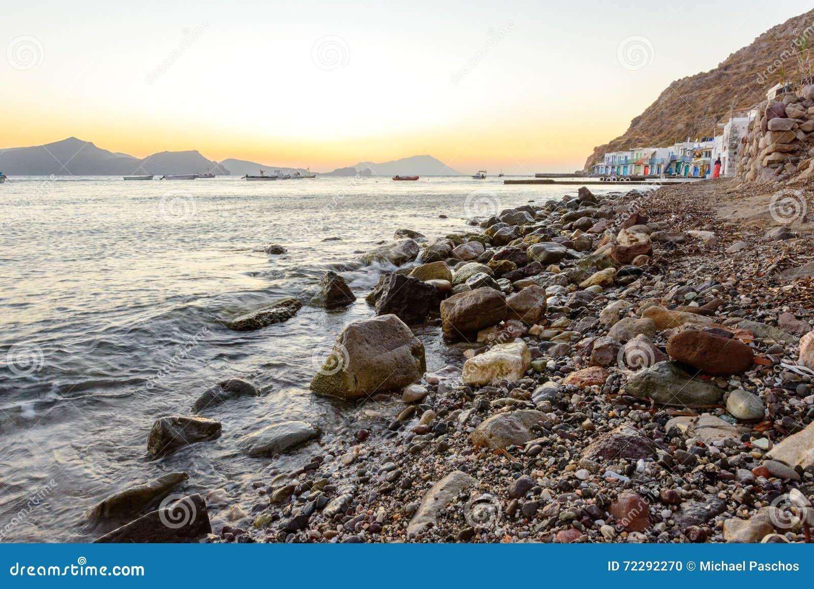 Download Klima, Melos, рыбацкий поселок Стоковое Фото - изображение насчитывающей рыболовы, утесы: 72292270