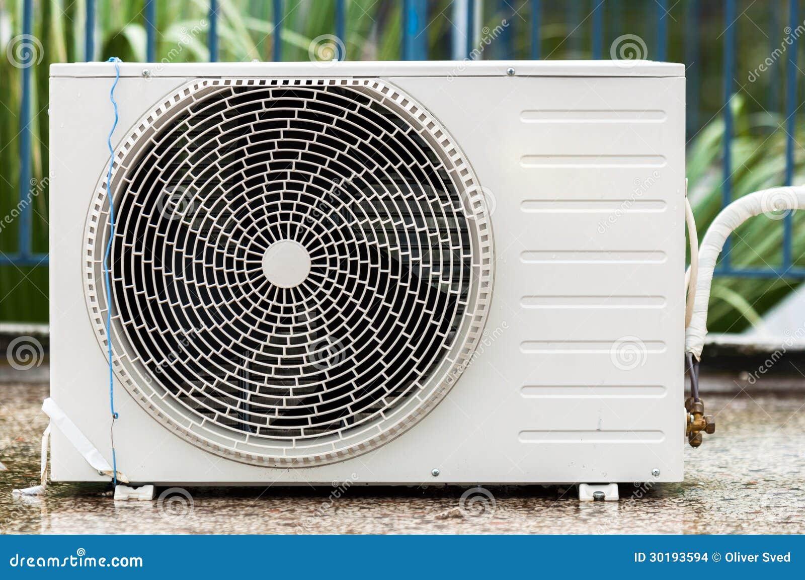 klimaanlage auf dem dach stockfoto bild von ventilation 30193594. Black Bedroom Furniture Sets. Home Design Ideas