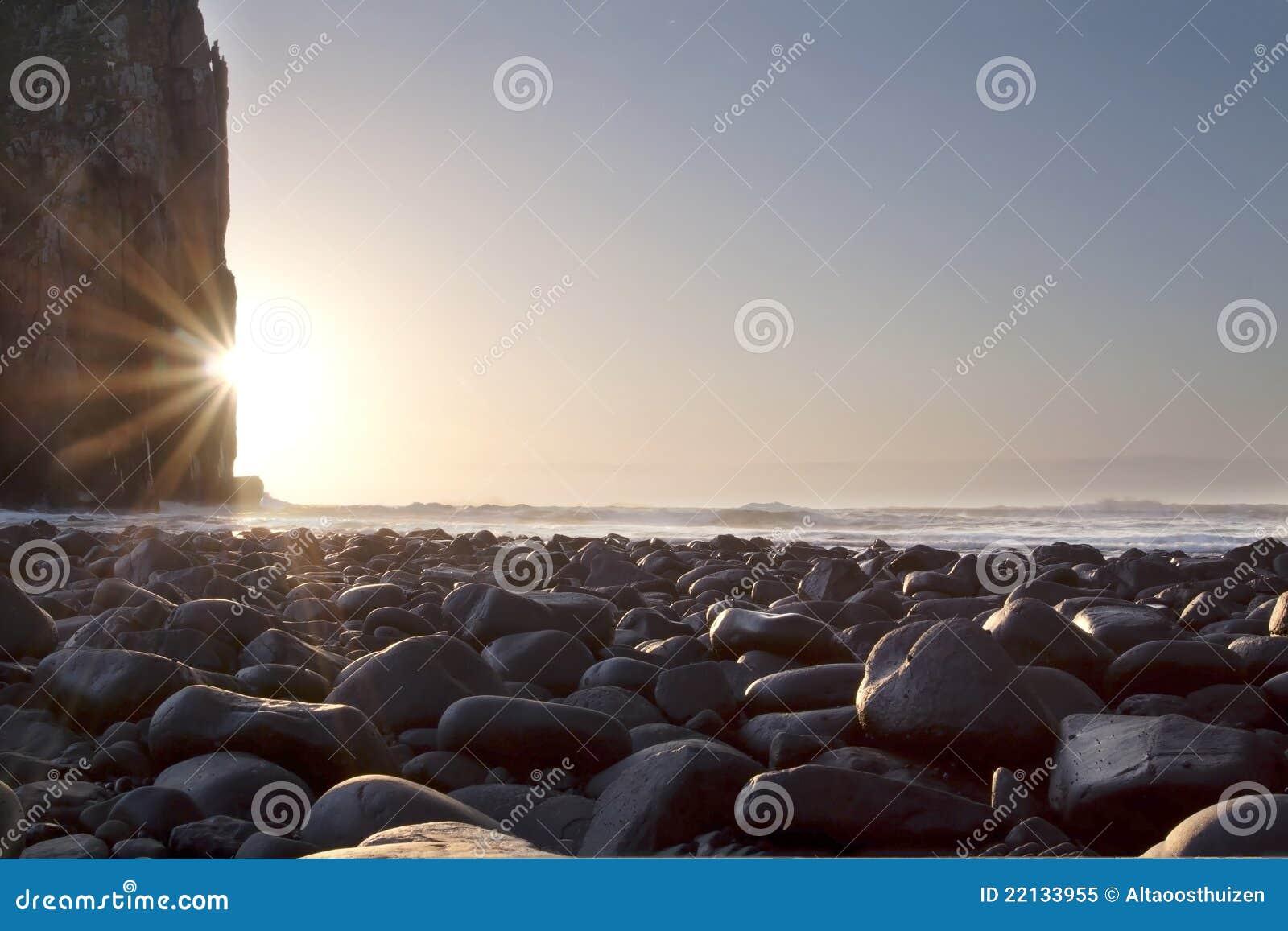 Klippaligganden vaggar soluppgång
