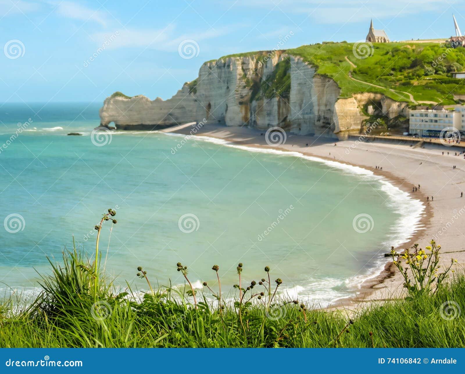 Klippen Und Strand Von Etretat Normandie Frankreich Stockfoto Bild Von Strand Frankreich 74106842