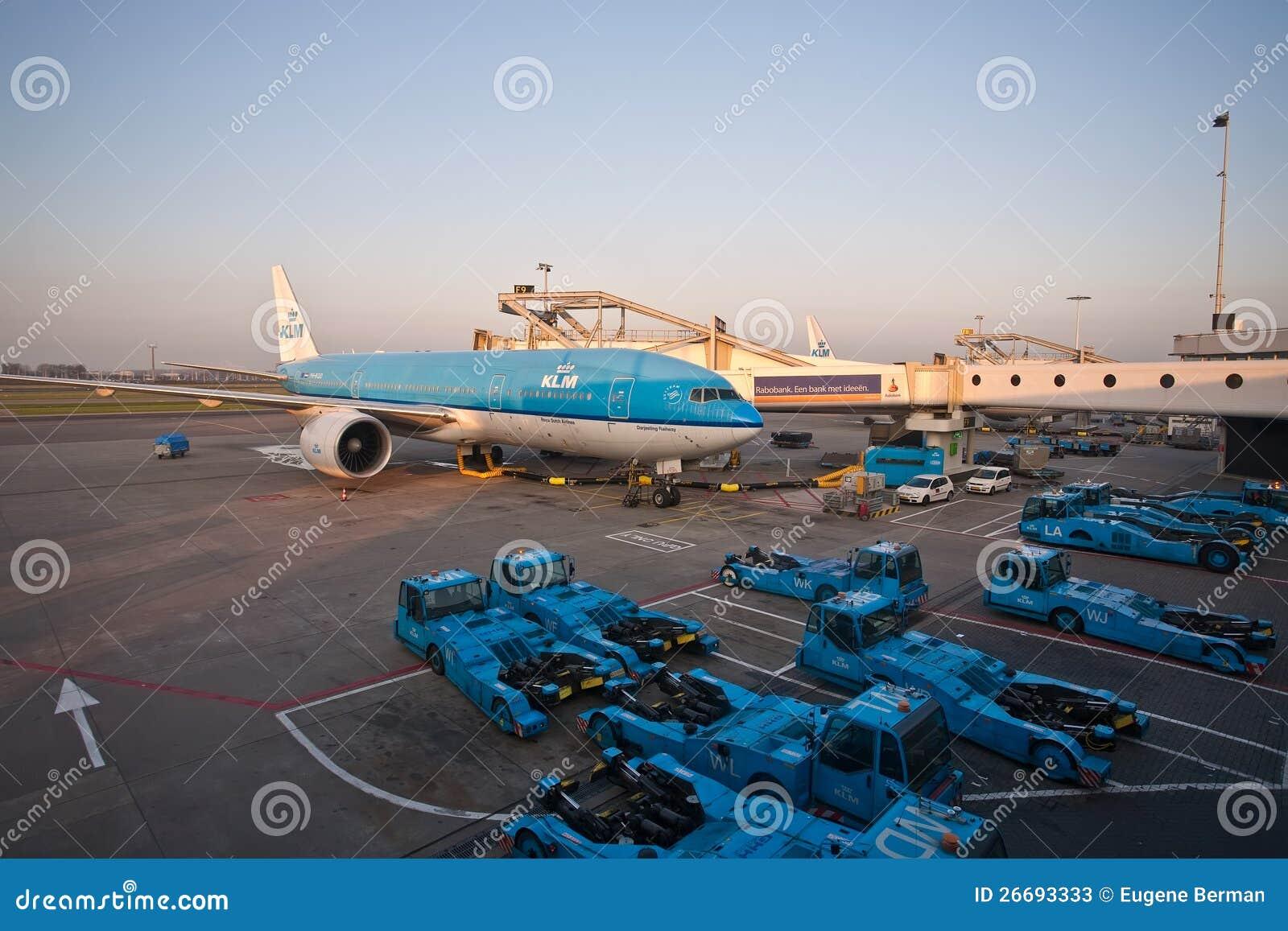 KLM波音777