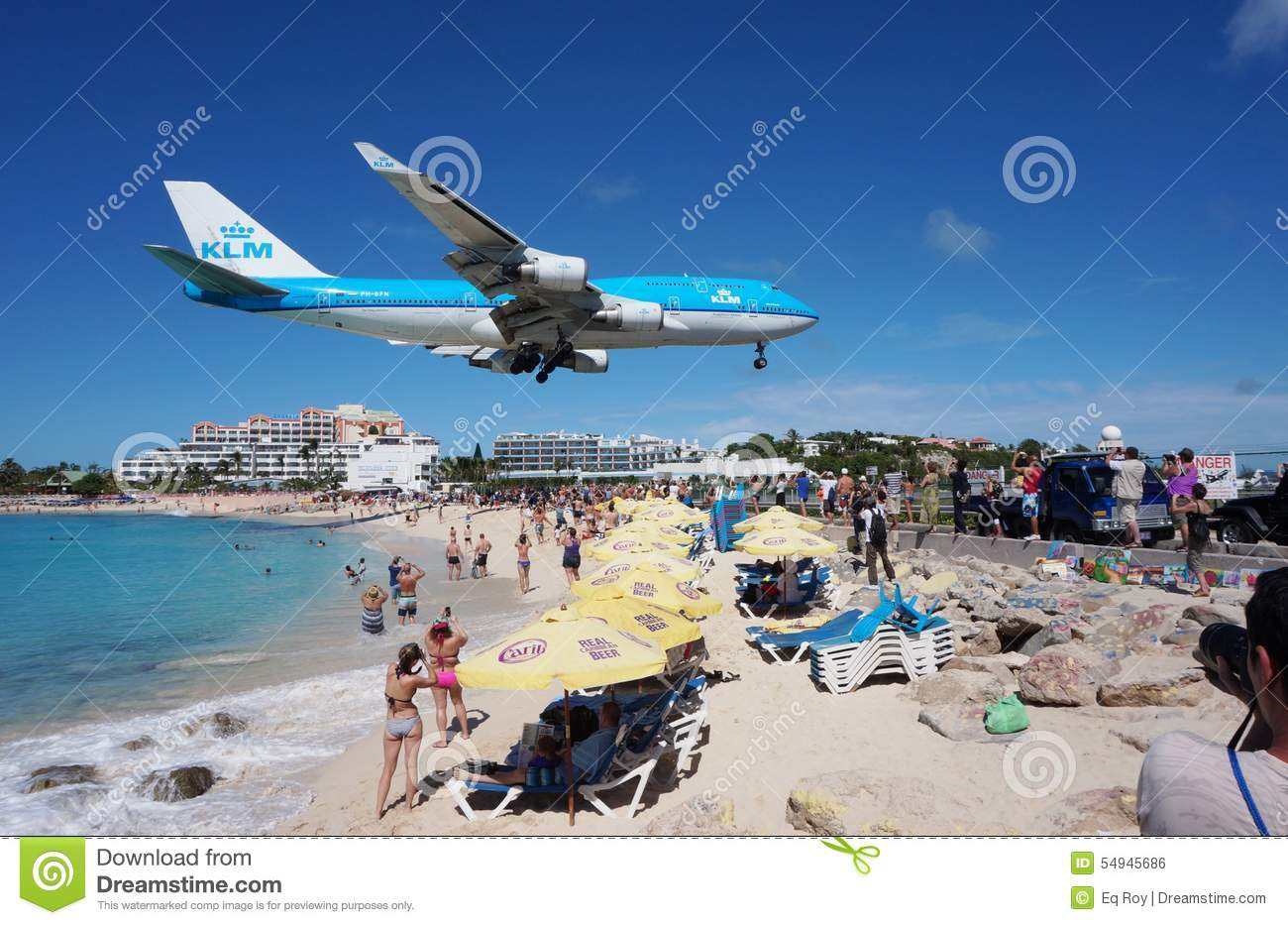 A KLM Boeing 747 lands over Maho Beach in St Martin