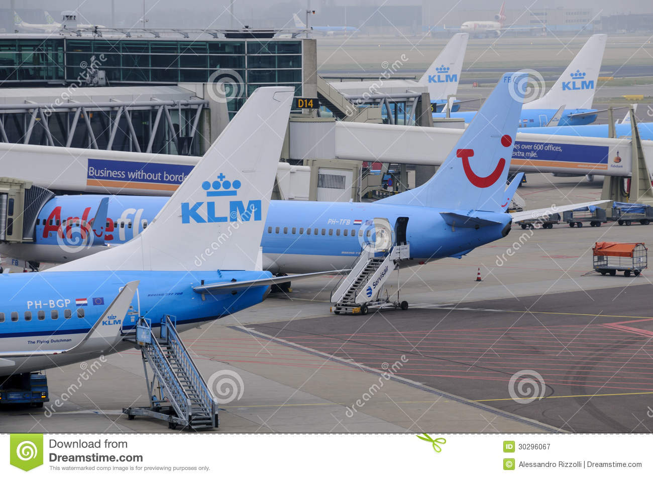 KLM plane bound to Montreal makes precautionary return at Schiphol ...