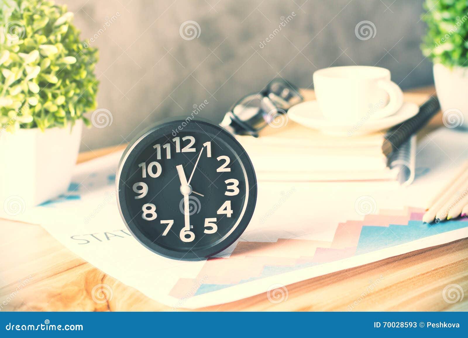 klocka till skrivbordet