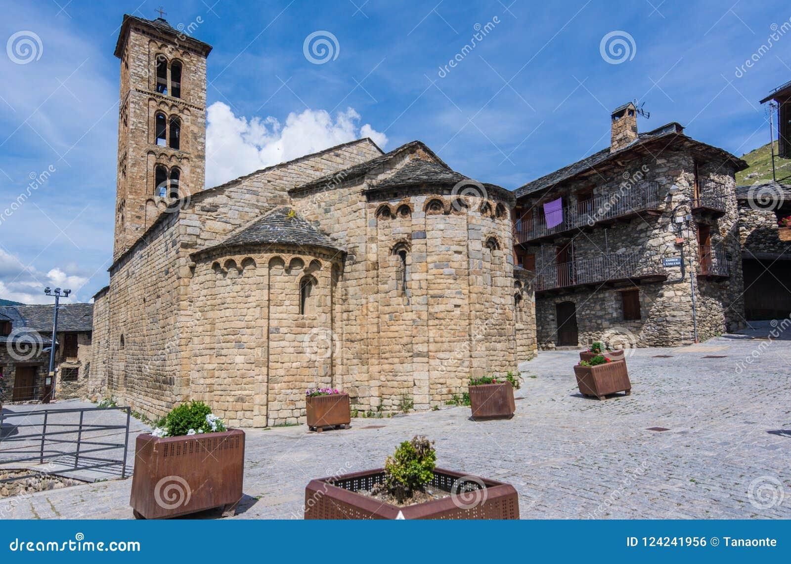 Klockstapel och kyrka av Santa Maria de Taull, Catalonia, Spanien Romansk stil