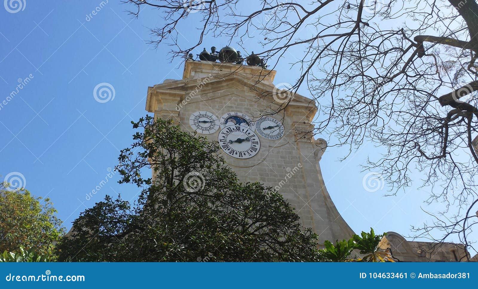 Download Klokketoren Van Het Grote Hoofdpaleis Van ` S In Valletta Stock Afbeelding - Afbeelding bestaande uit tijdschema, vakantie: 104633461