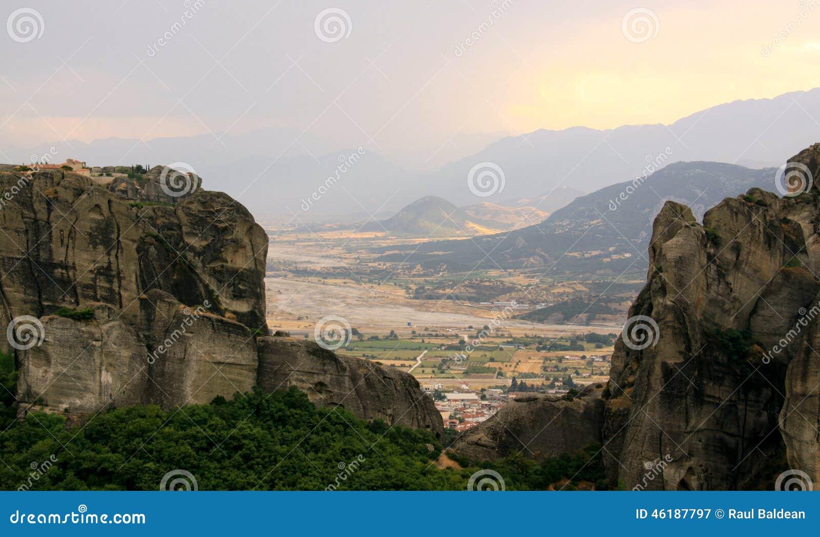 Kloosters bij zonsondergang, Meteora