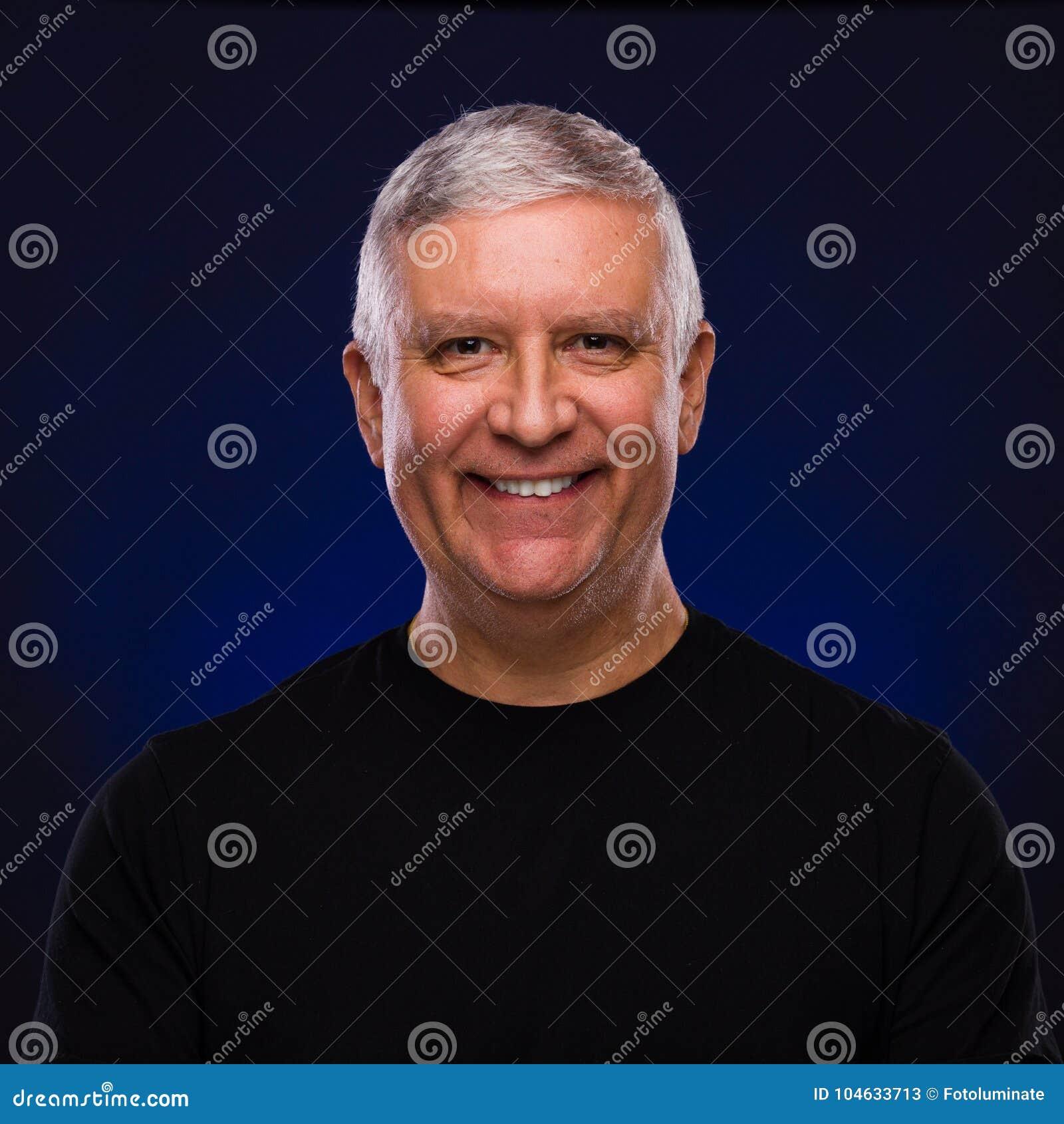 Download Knap mensenportret stock afbeelding. Afbeelding bestaande uit mensen - 104633713