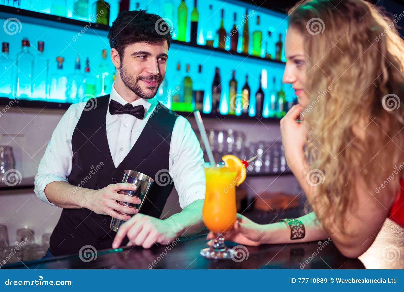 flirten met barman
