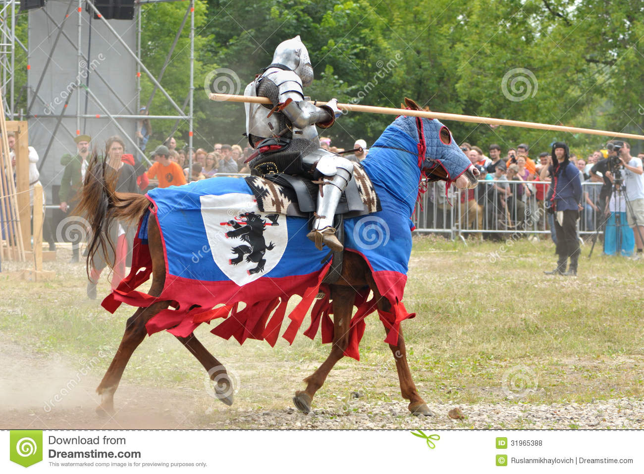 an analysis of the equipment used by knights in the middle ages
