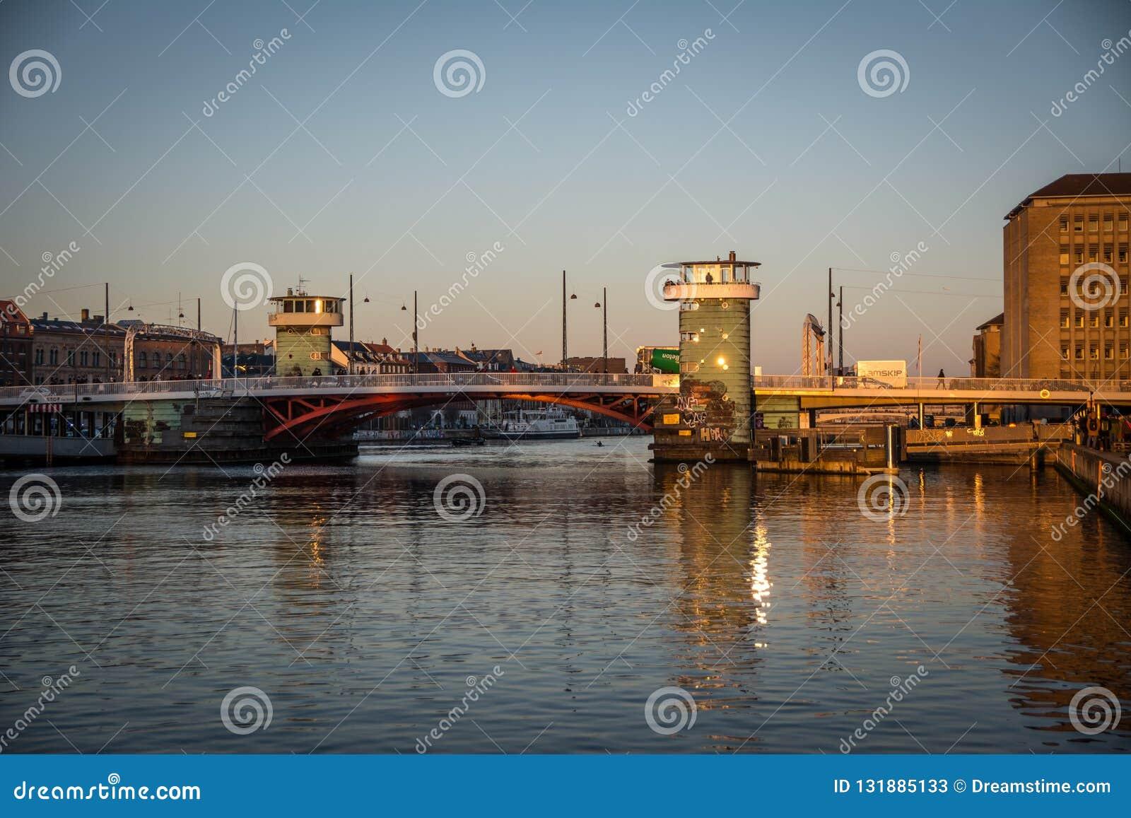 Knippelbridge στο λιμάνι της Κοπεγχάγης Δανία