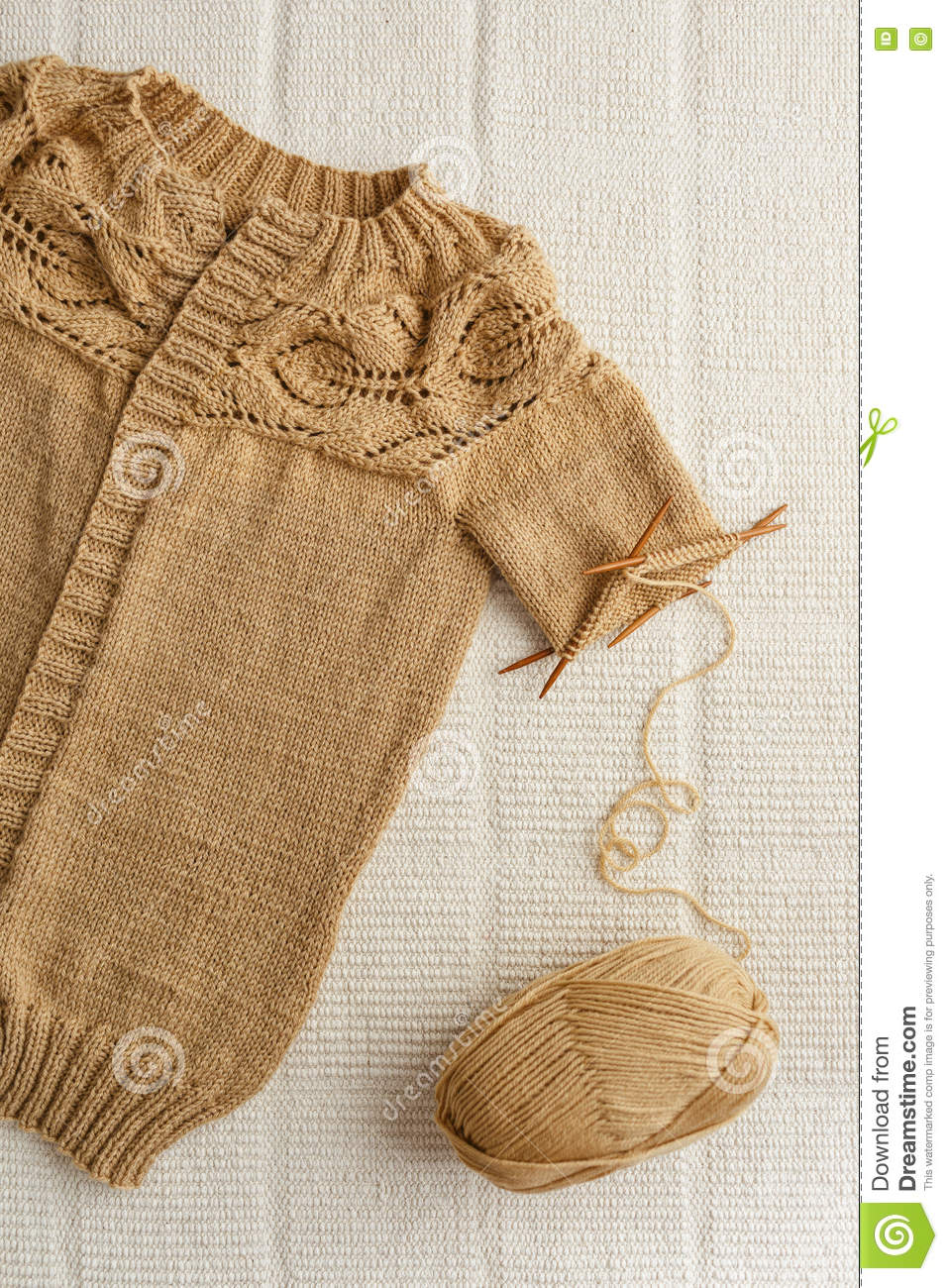 Knitting Patterns Wool And Needles : Knitting Stock Photo - Image: 73670735