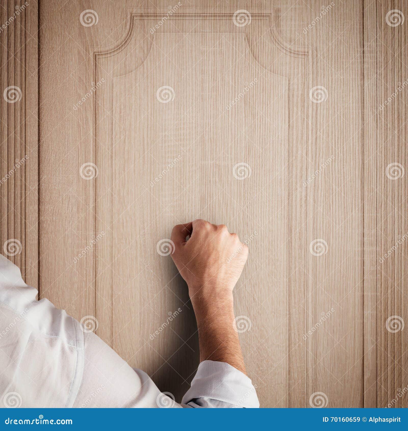 Knock Door Sound & Knocking On Wooden Doors Sound Effect\