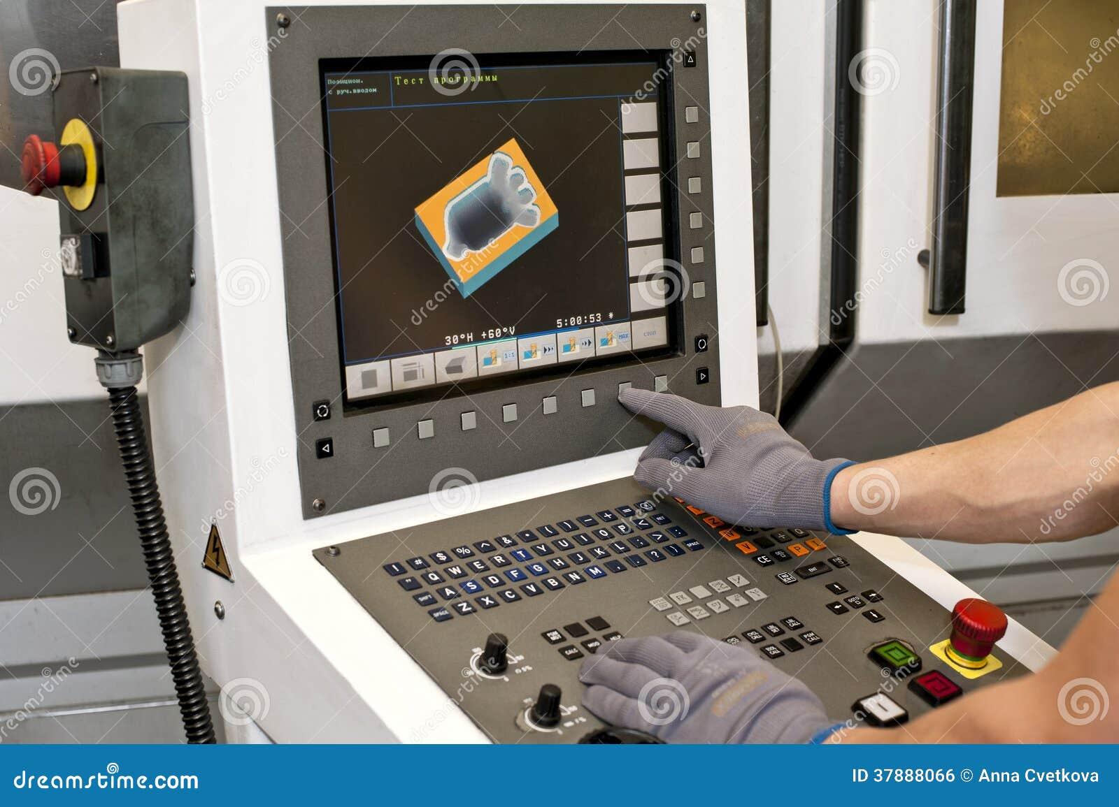 Knopen op cnc programmeerbare machine