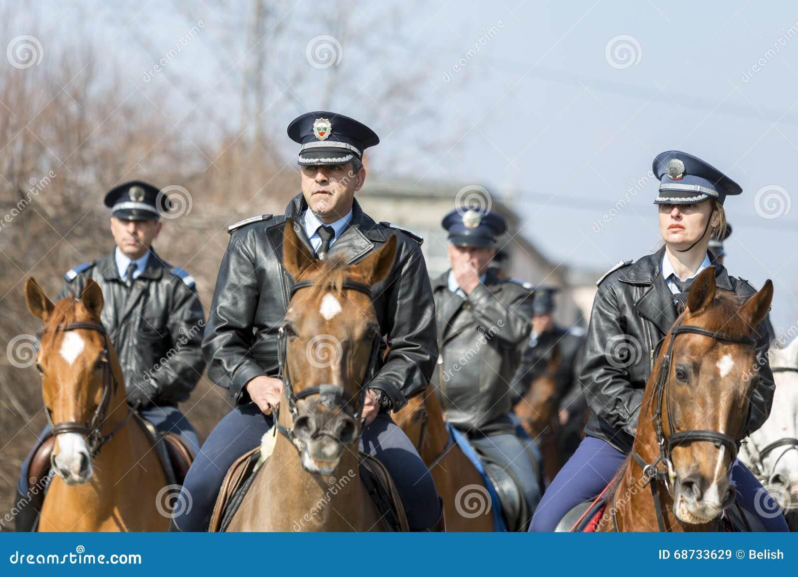 Koń milicyjna jazda