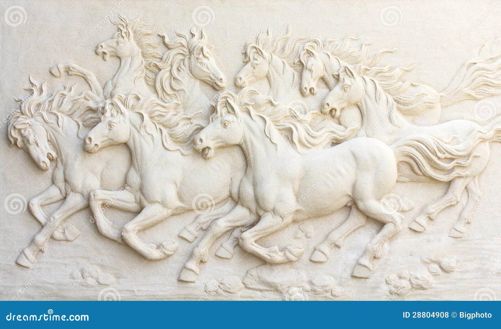 Koń rzeźby, Use dekorować