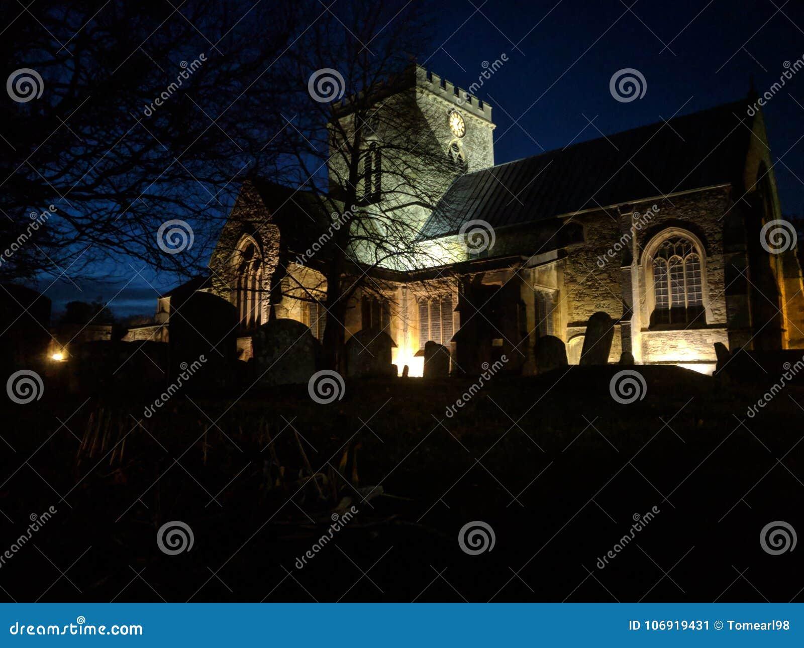 Kościół przy półmrokiem