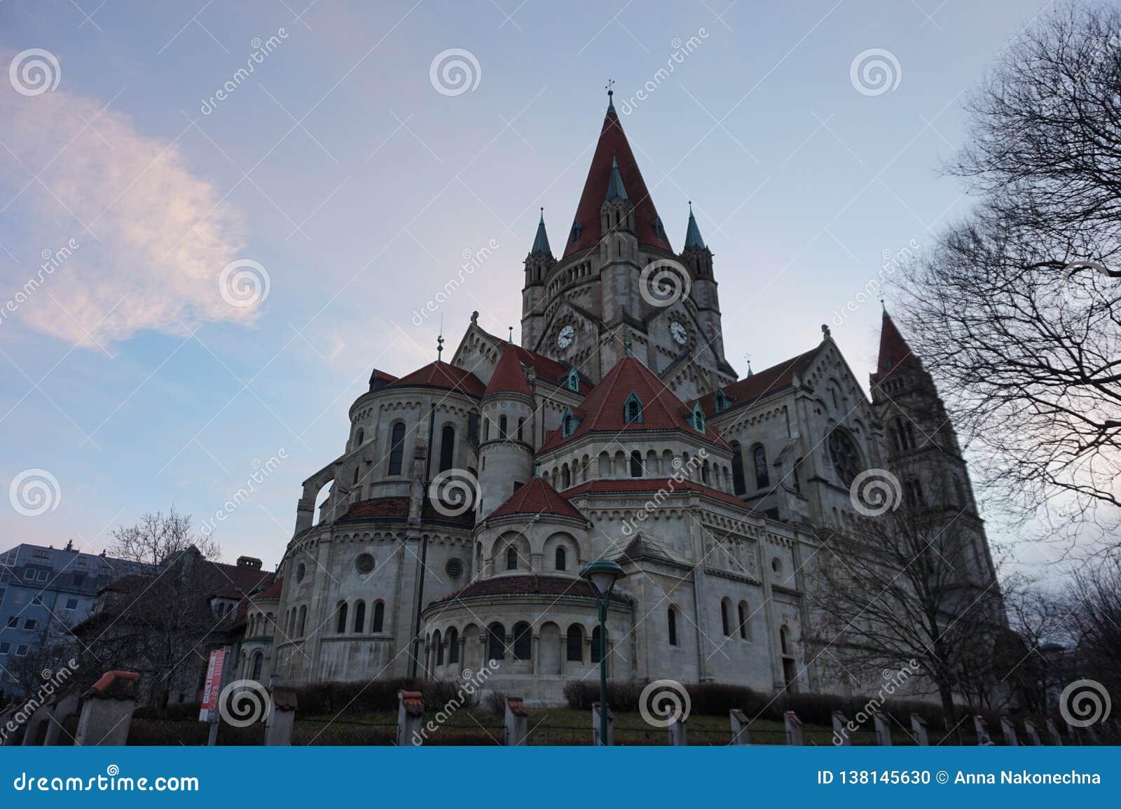 Kościół St Francis Assisi w Wiedeń, na bankach Danube