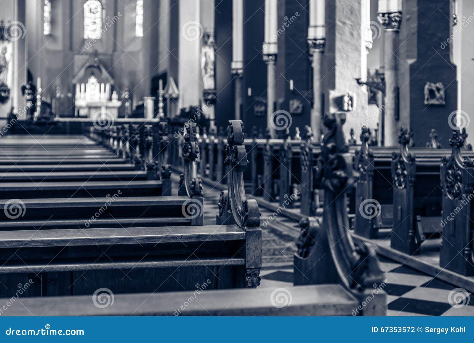 Kościelne ławki