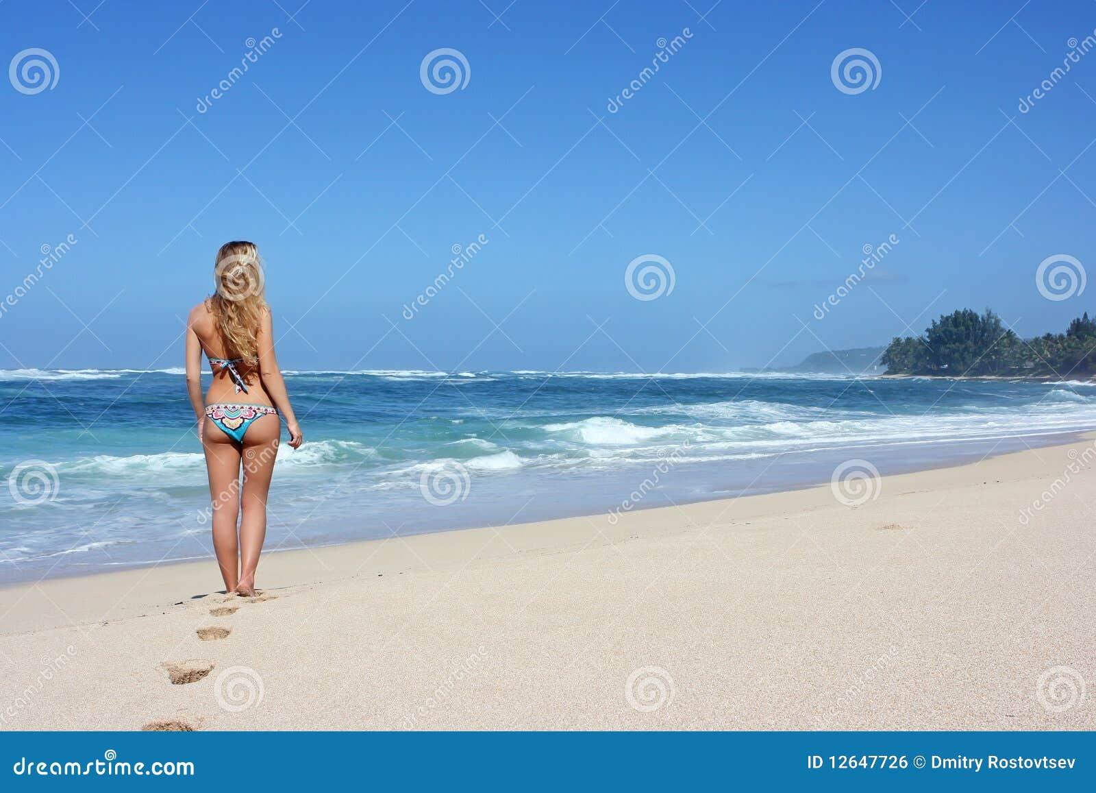 Kobiet plażowi potomstwa