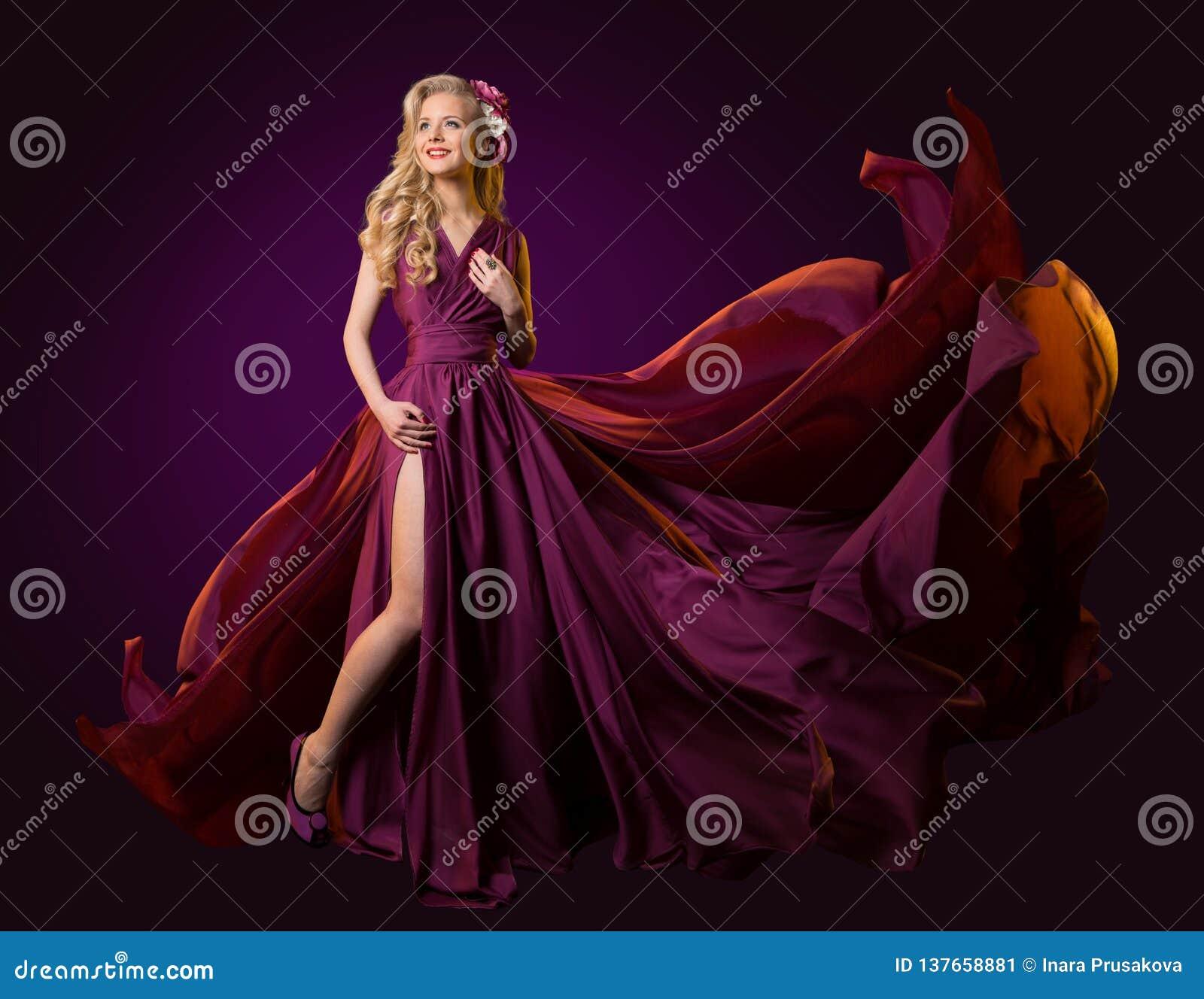 Kobiet purpur Latająca suknia, moda modela taniec w Długiego falowania Trzepotliwej todze