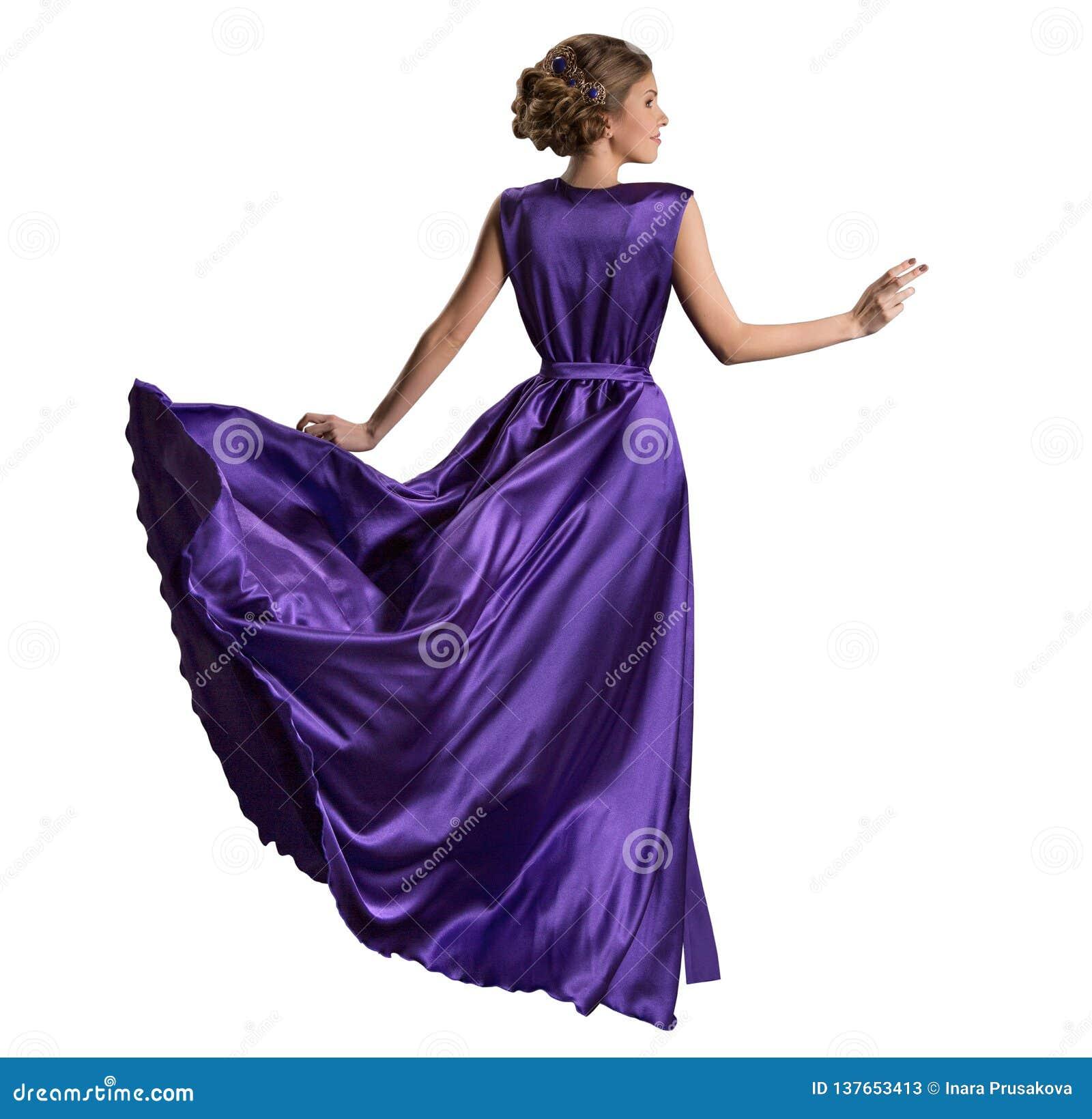 Kobiet purpur suknia, moda model w Długiej Trzepotliwej todze, plecy Tylni widok na bielu