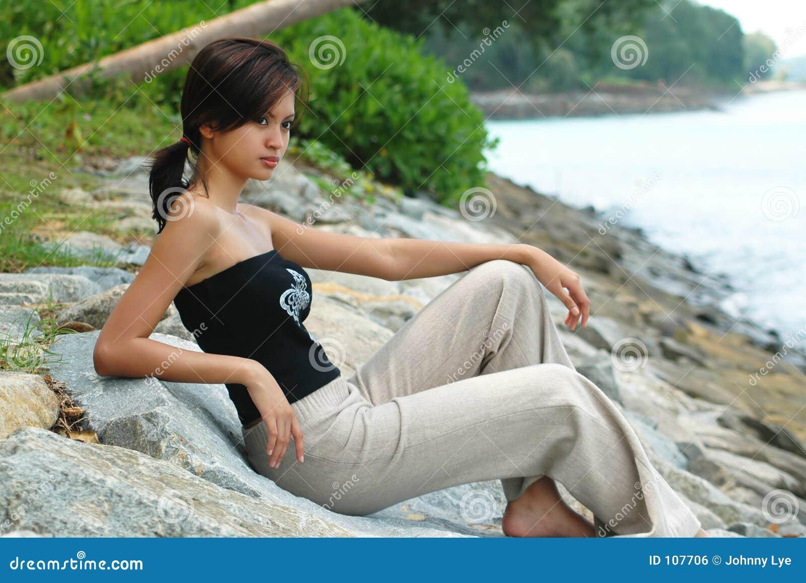 Kobieta azjatykcia