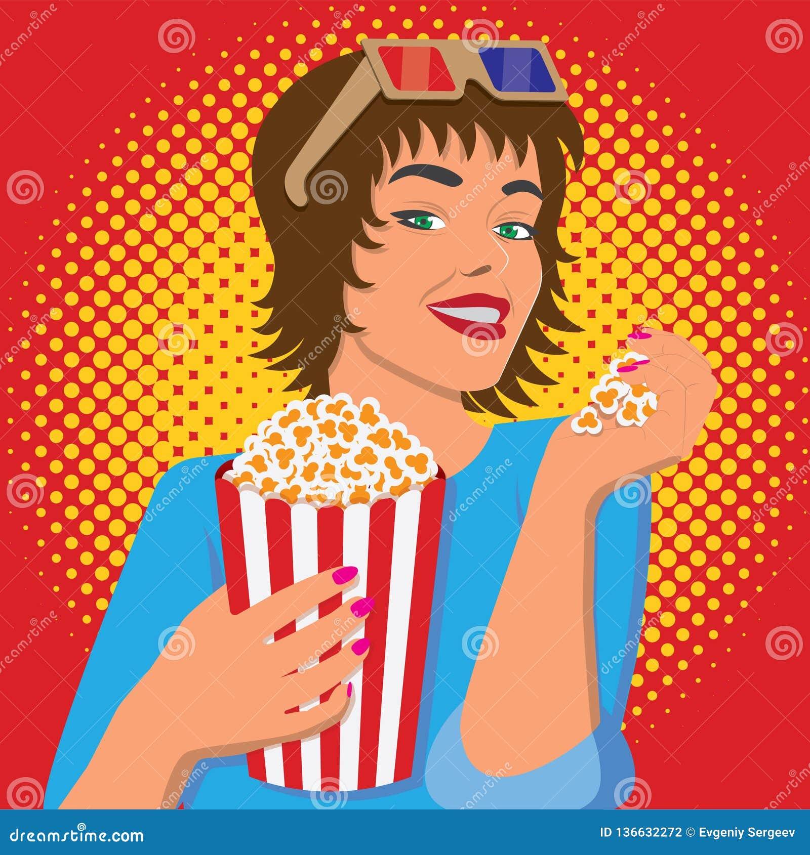 Kobieta ogląda film, uśmiecha się popkorn i je,